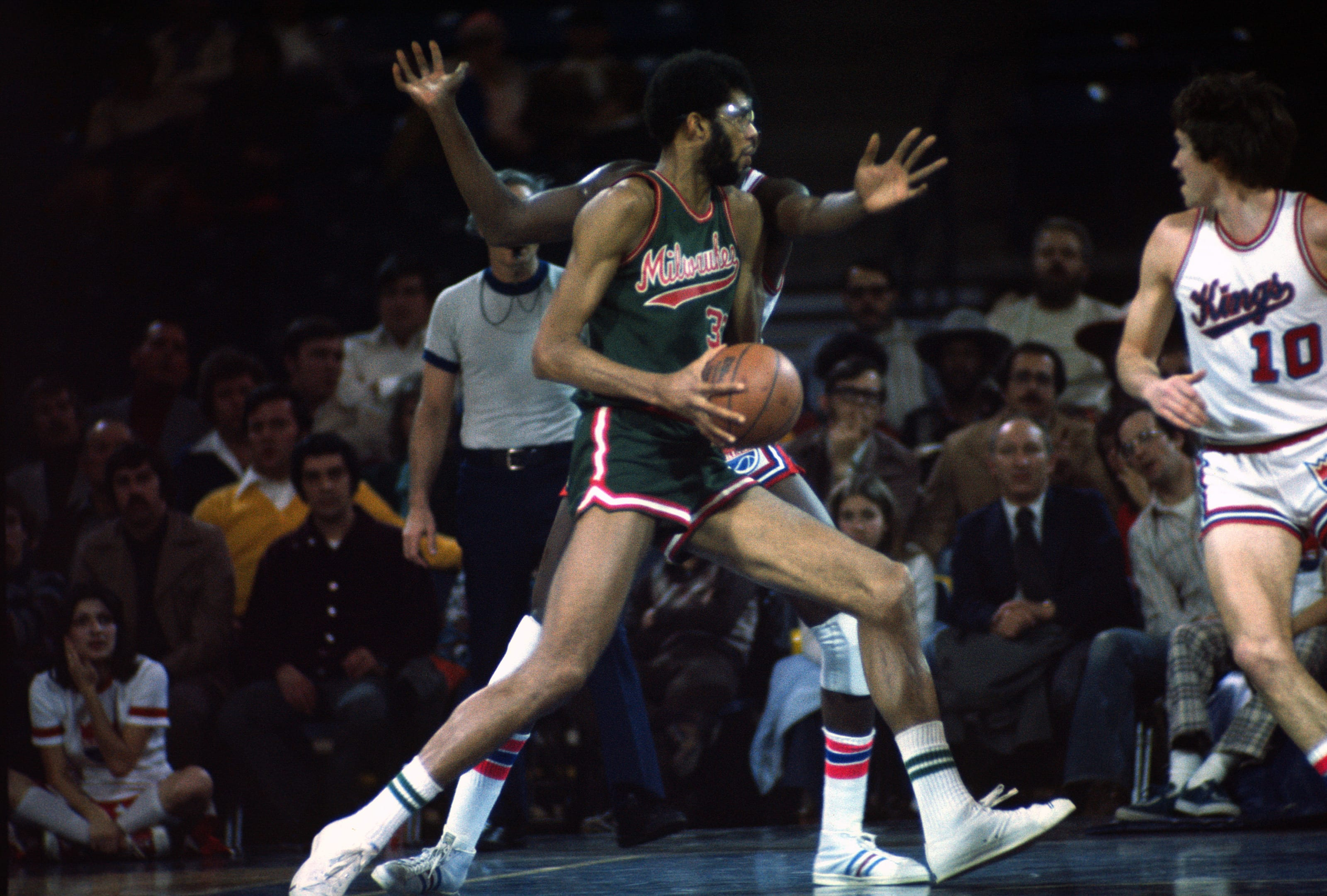 Milwaukee Bucks: 5 best signature shoes in franchise history - Page 5