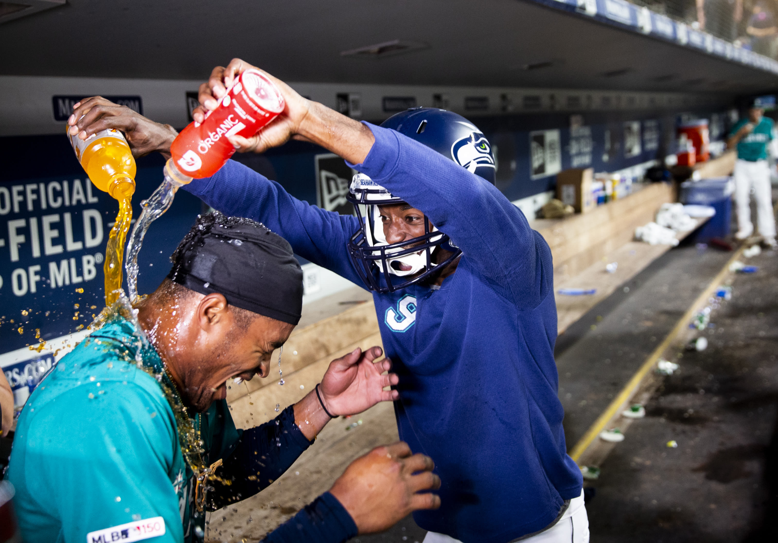 Seattle Mariners celebrating a walk-off