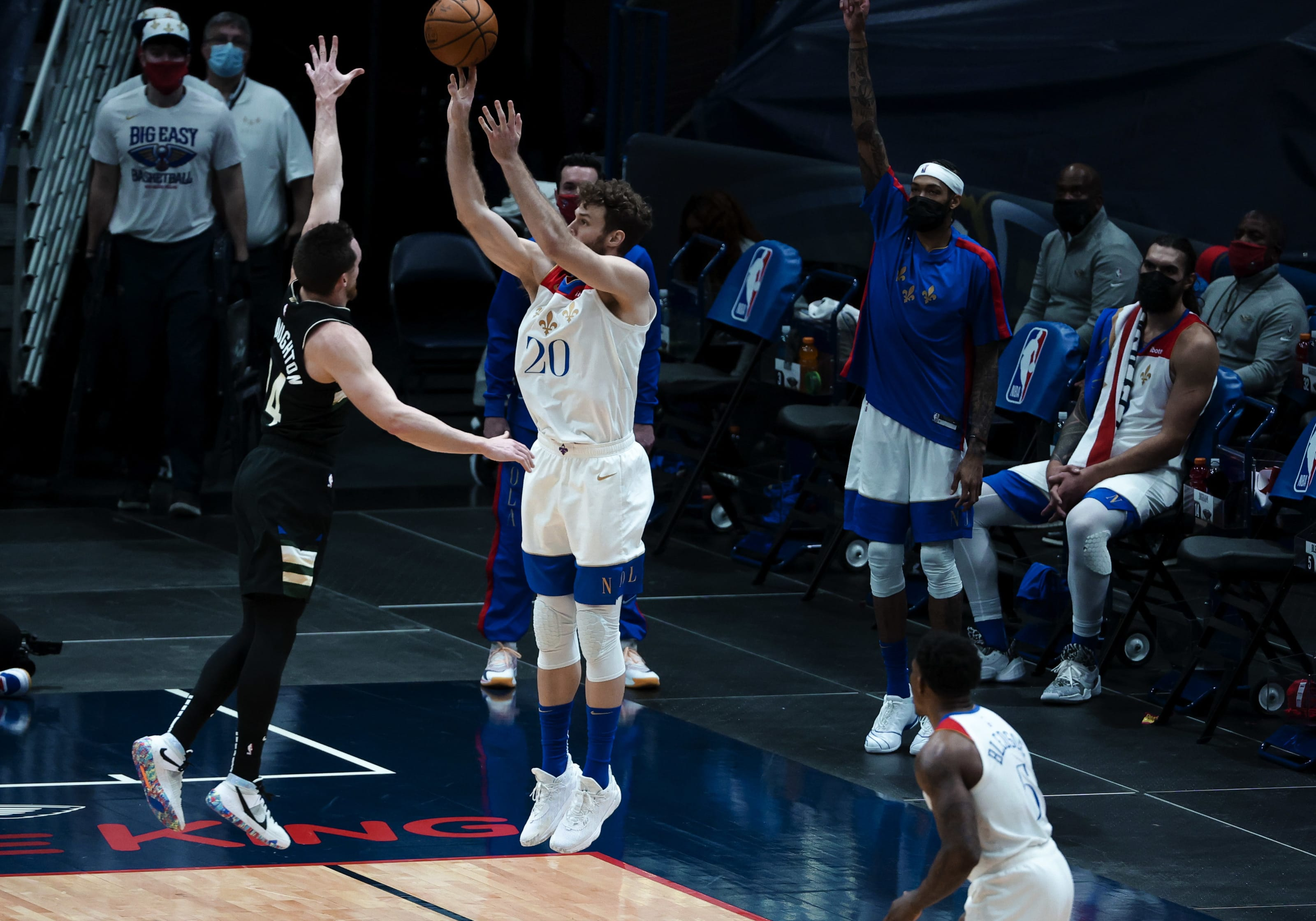 Milwaukee Bucks: Pat Connaughton, New Orleans Pelicans: Nicolo Melli