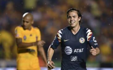 Santos back at No. 1