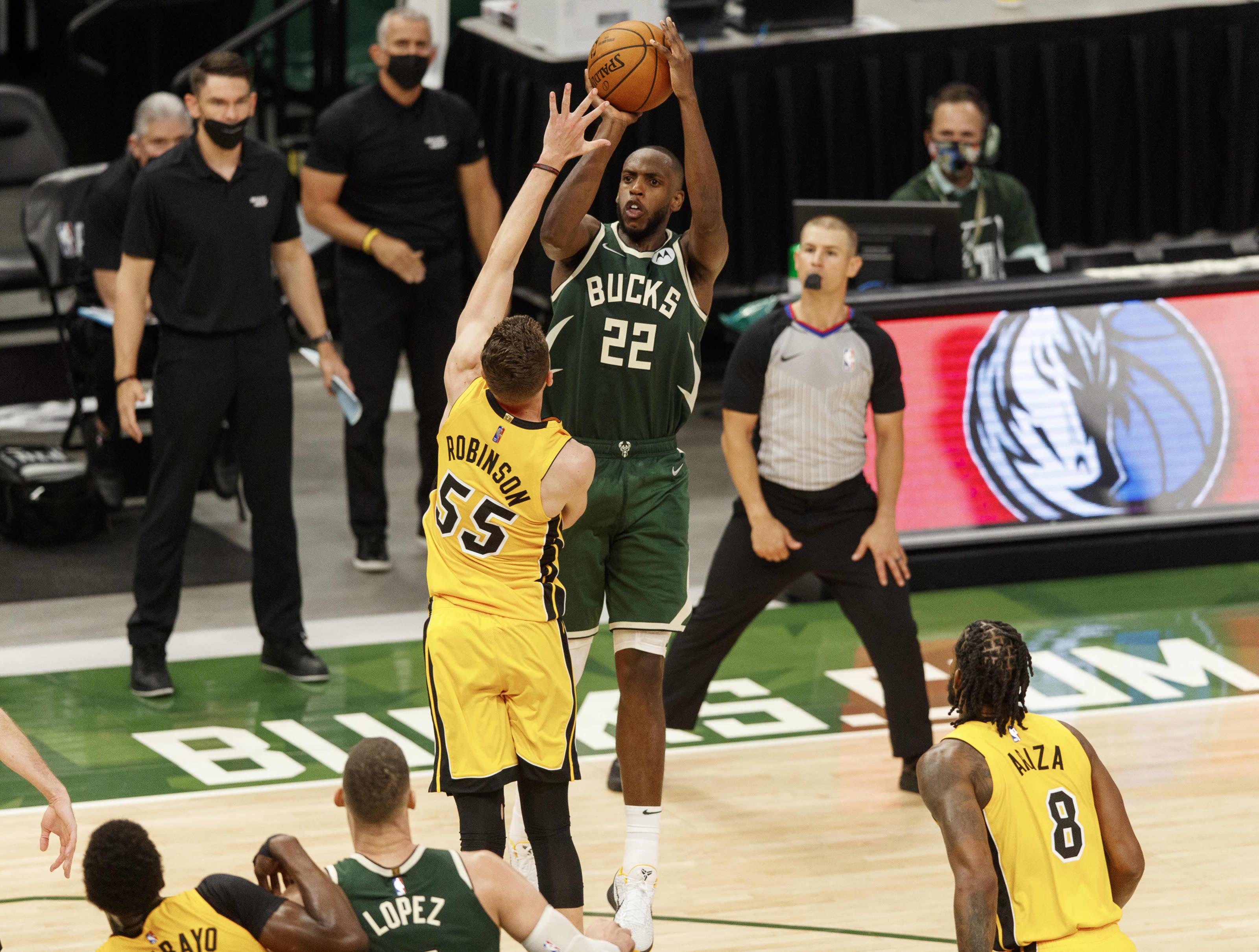 Milwaukee Bucks: Khris Middleton, brook Lopez, Miami Heat, Bam Adebayo, Duncan Robinson, Trevor Ariza