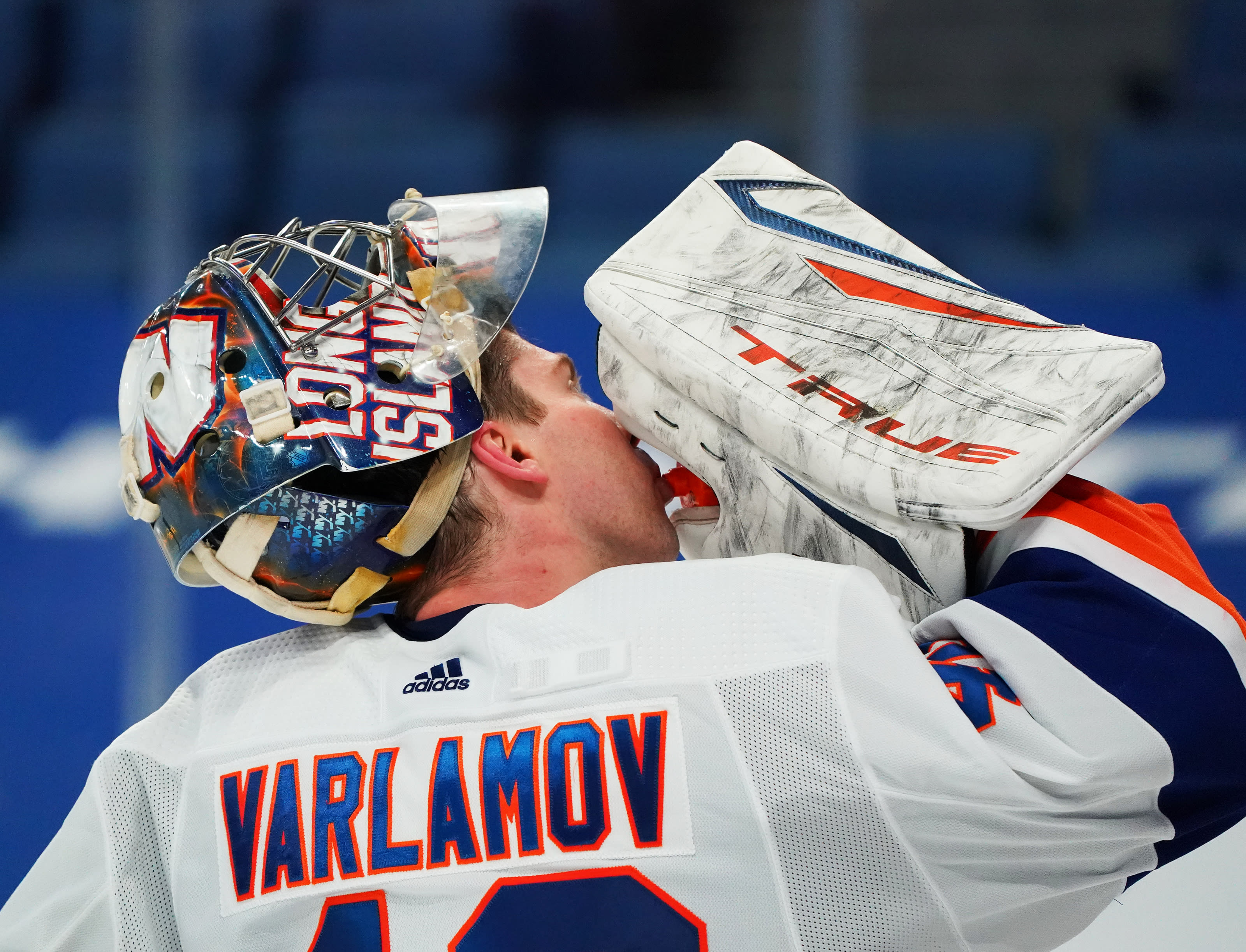 Semyon Varlamov (40)