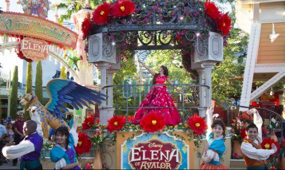 Elena of Avalor celebrates Navidad!