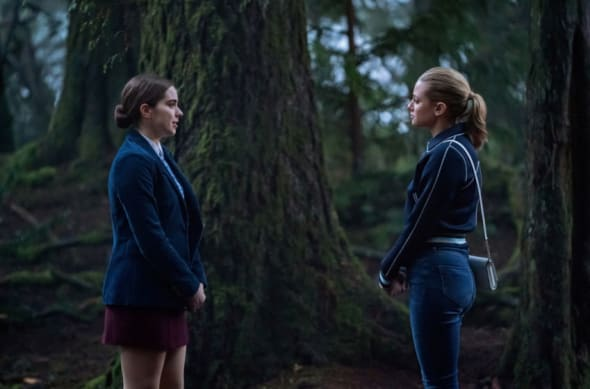 """Riverdale -- """"Chapter Seventy-One: How To Get Away With Murder"""" -- Image Number: RVD414b_0146b.jpg -- Pictured (L-R): Sarah Dejardins as Donna and Lili Reinhart as Betty -- Photo: Katie Yu/The CW -- © 2020 The CW Network, LLC. All Rights Reserved."""