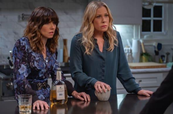 Dead to Me season 3 - best Netflix shows - Netflix shows like Friends
