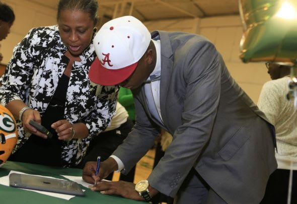 Feb 3, 2016; Gordo, AL, USA; Gordo High School linebacker Ben Davis fields questions after committing to the Alabama Crimson Tide at the University of Alabama during national signing day at Gordo High School. Mandatory Credit: Marvin Gentry-USA TODAY Sports