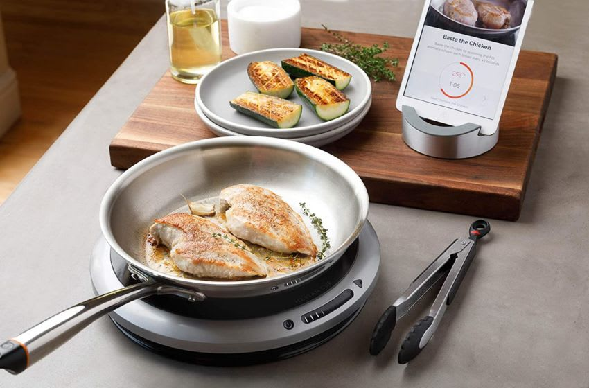 "Heston Cue Bluetooth Enabled 11"" Fry Pan and 1600w Electric Cooktop Bundle"