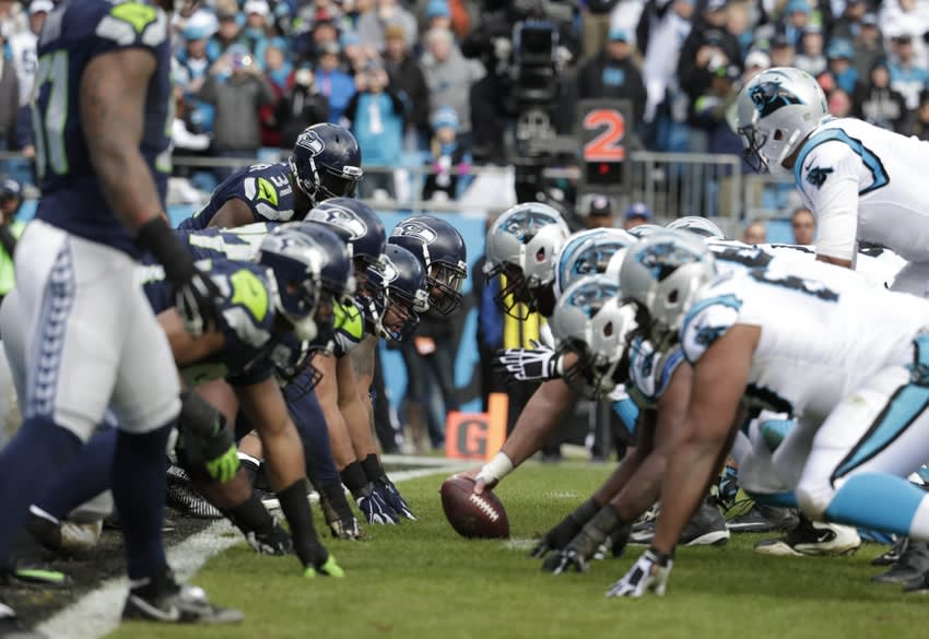 Jan 17, 2016; Charlotte, NC, USA; General view of the line of scrimmage between the Carolina Panthers and the Seattle Seahawks during the second quarter in a NFC Divisional round playoff game at Bank of America Stadium. Mandatory Credit: Jeremy Brevard-USA TODAY Sports