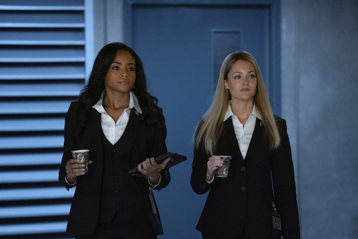 Meagan Tandy as Sophie Moore and Christina Wolfe as Julia Pennyworth will return on Batwoman Season 2
