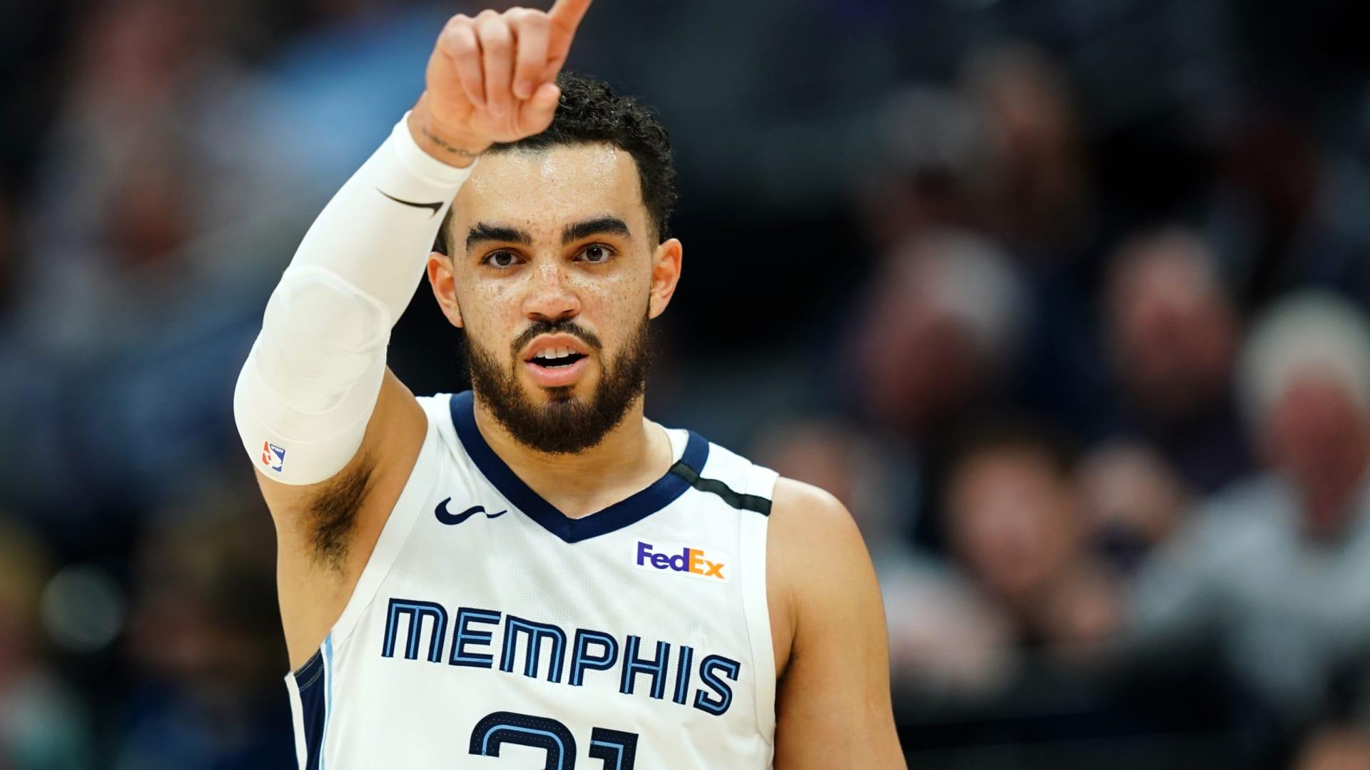 Duke basketball: Tyus Jones finds unpleasant surprise in Orlando hotel