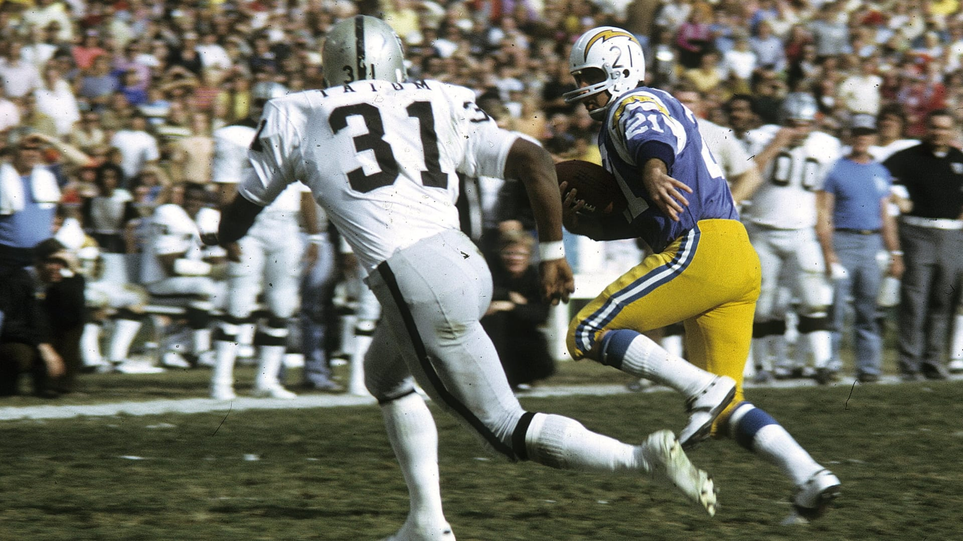 What did the Raiders do with 12th and 19th picks in past NFL Drafts?
