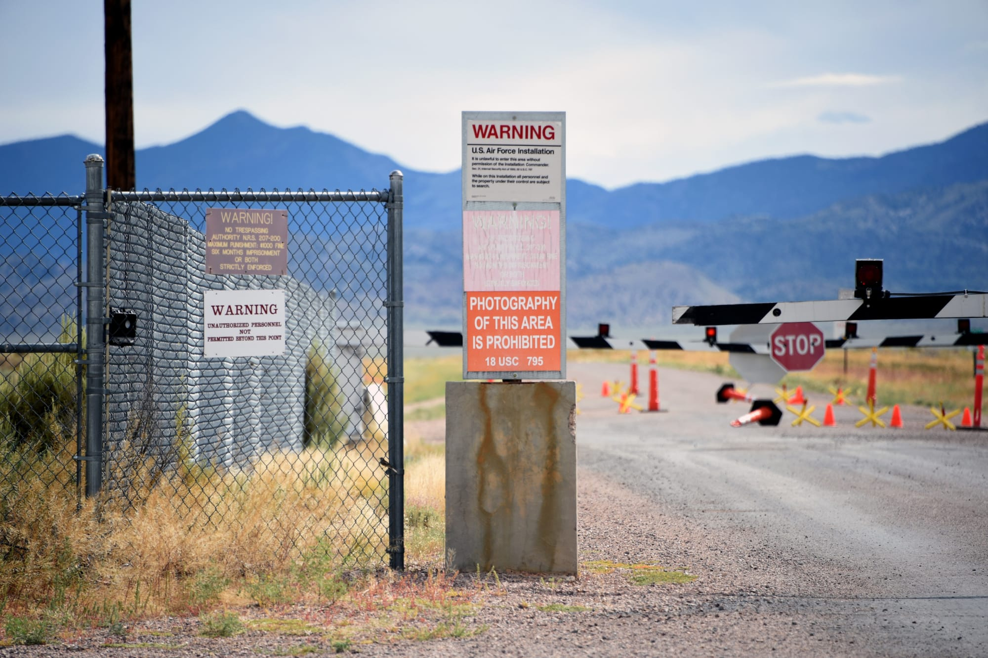 UFO: Is there an alien craft at Area 51 on Google Maps?