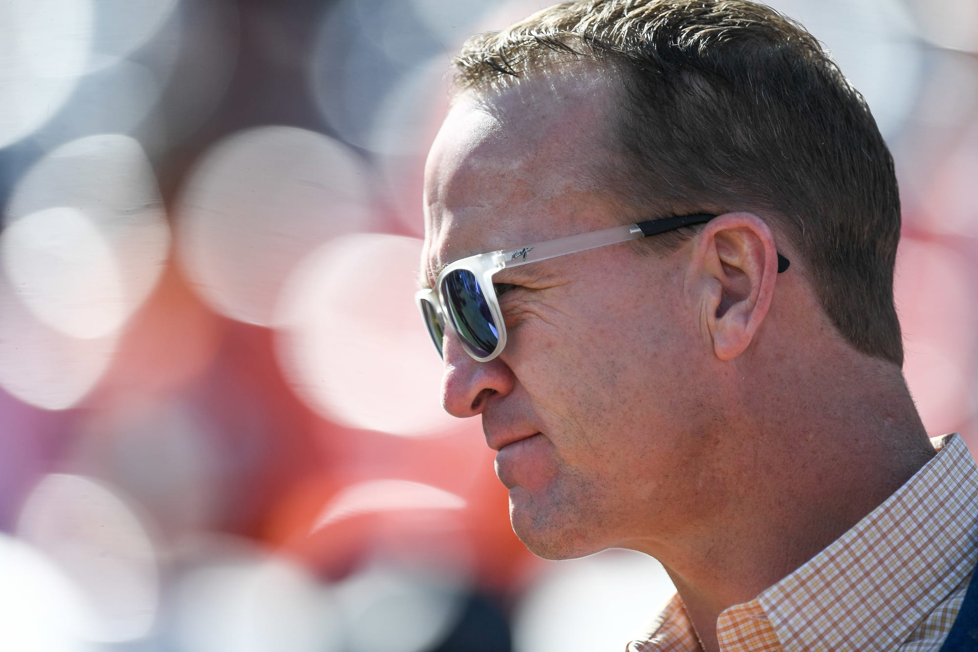 Peyton Manning hints at Patriots cheating in MNF broadcast