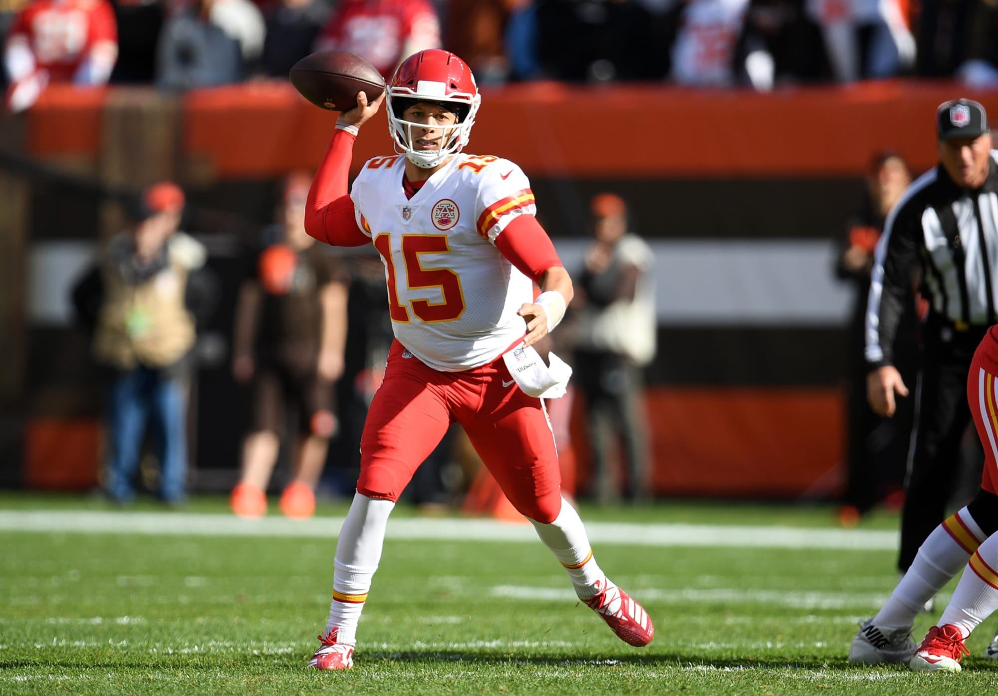 Patrick Mahomes Helps Kansas City Chiefs Take Care Of Business Against Cleveland Browns