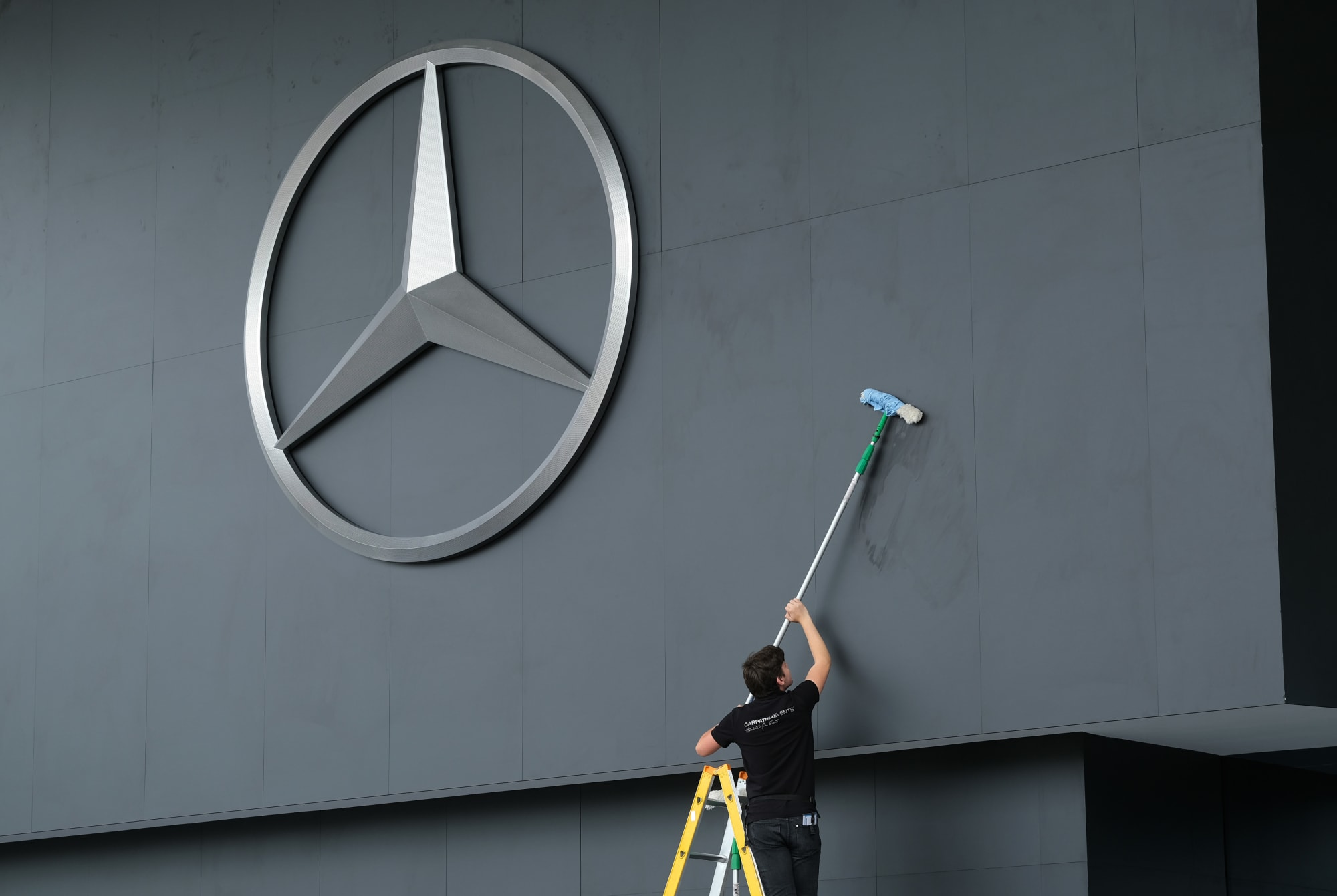 Mercedes-Benz Shift to Electric Claims Thousands Jobs