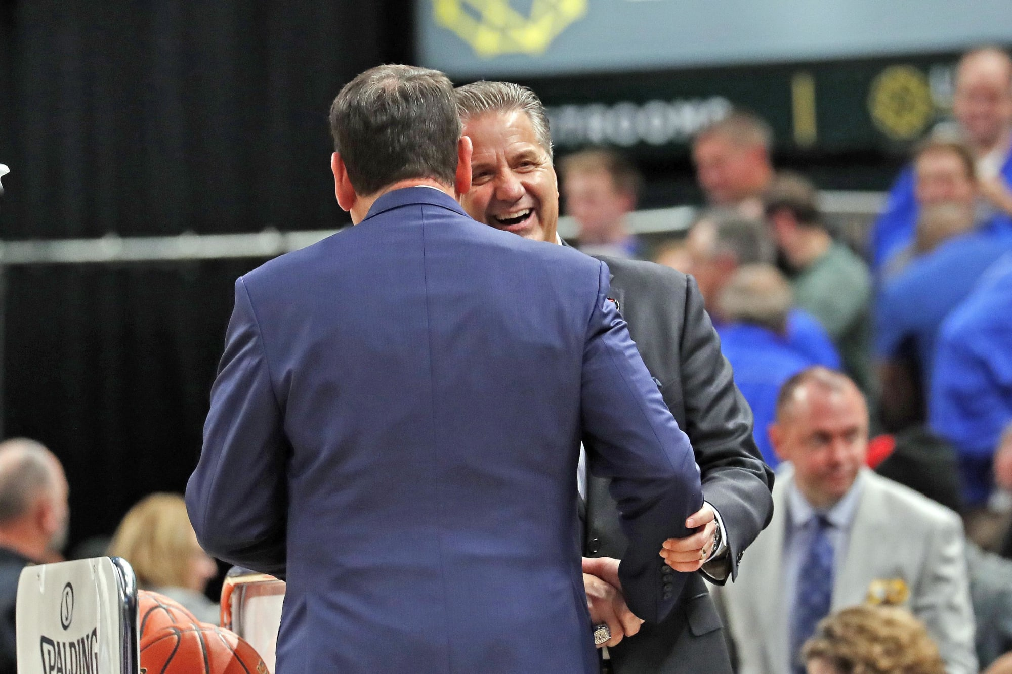 Kentucky lurking around in key Duke basketball recruiting battle