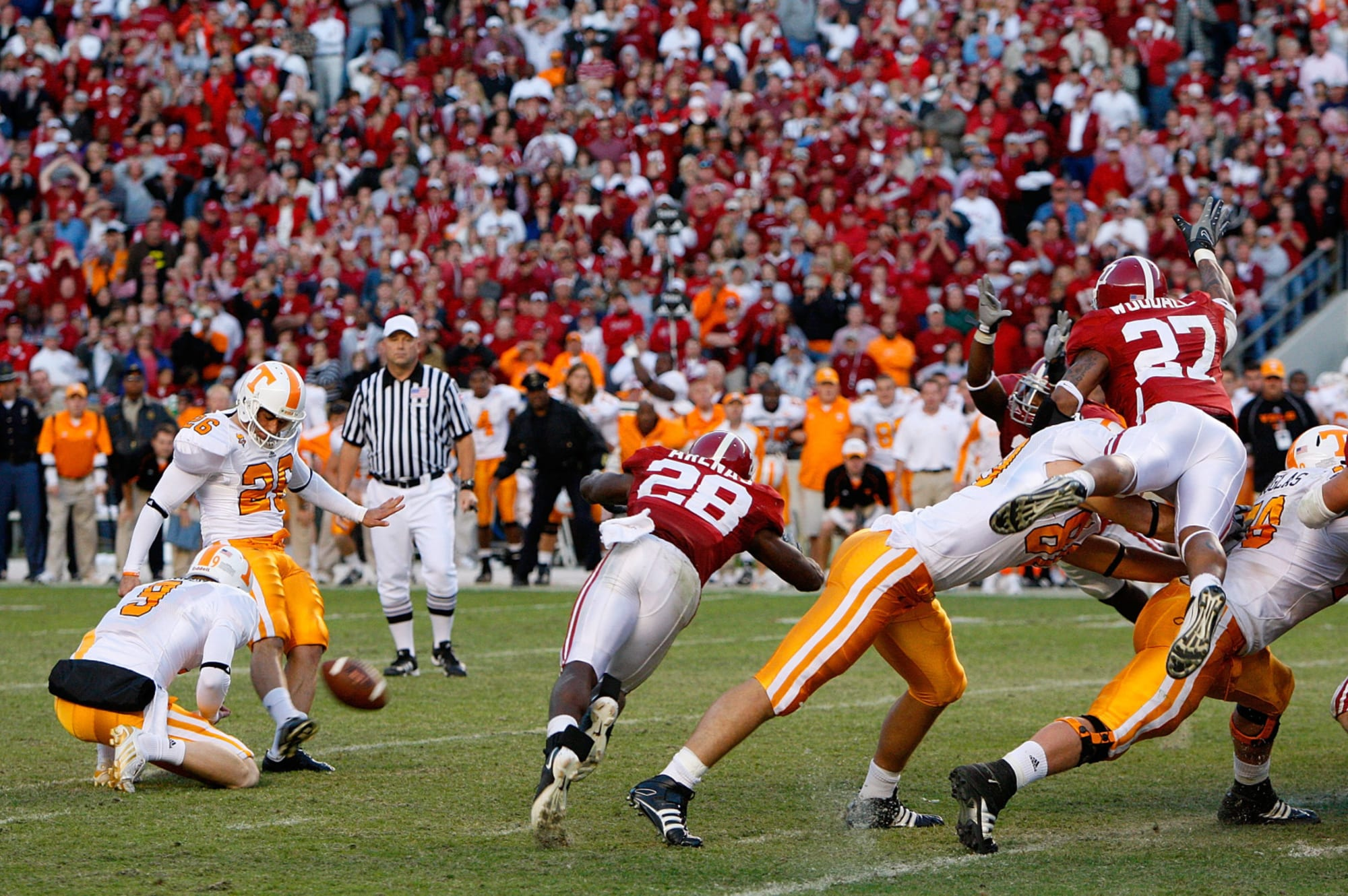 Alabama Football: 20-plus seasons with special wins over Phillip Fulmer