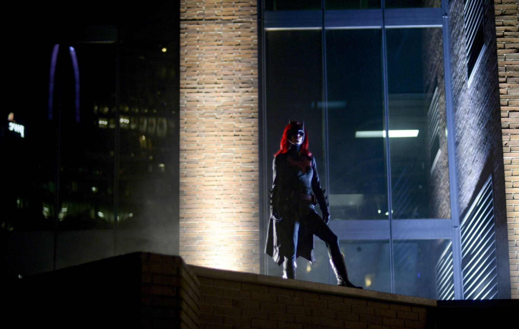 Javicia Leslie suits up as the new Scarlet Knight in Batwoman season 2 teaser