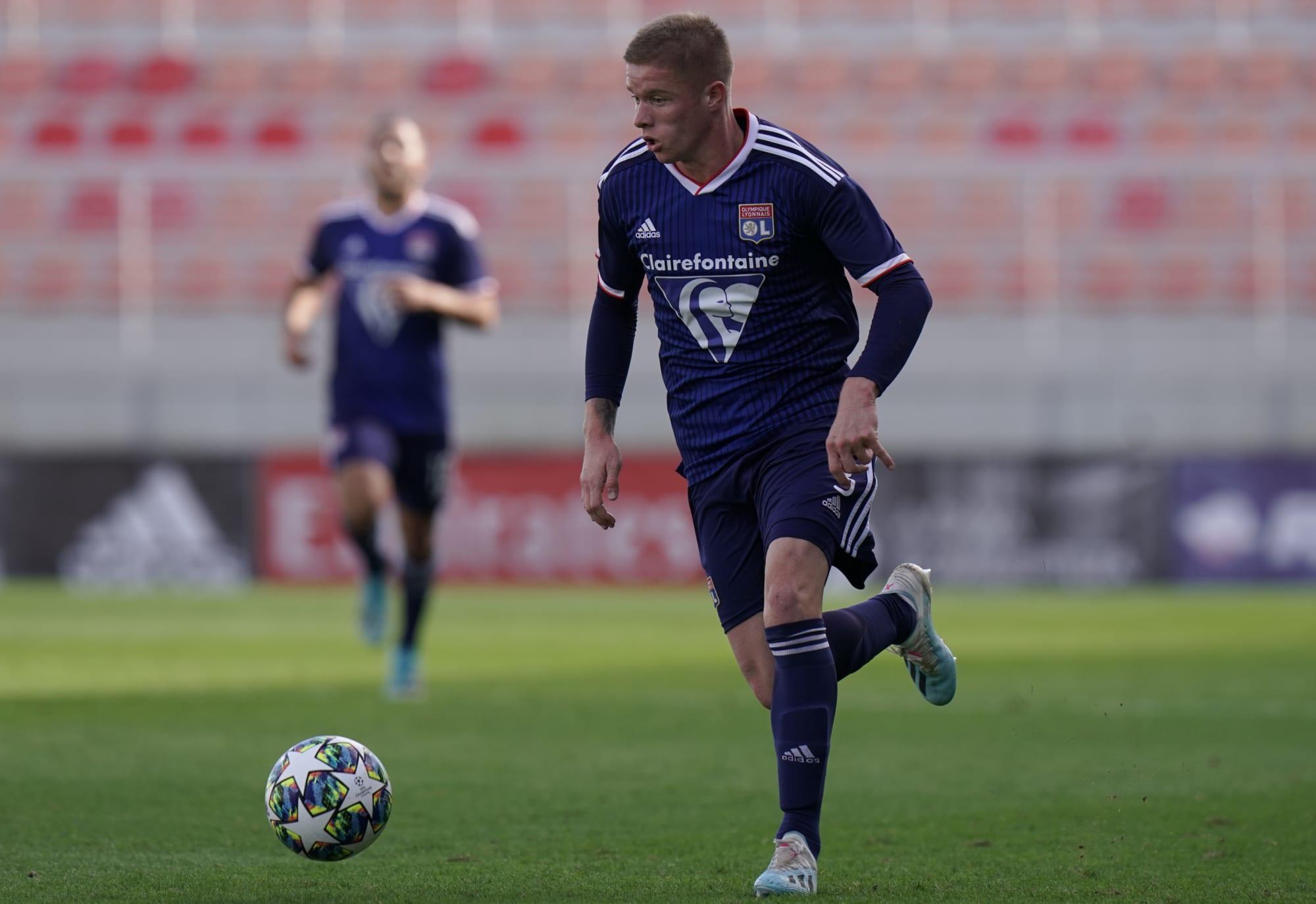 Bayern Munich monitor Lyon full-back Melvin Bard