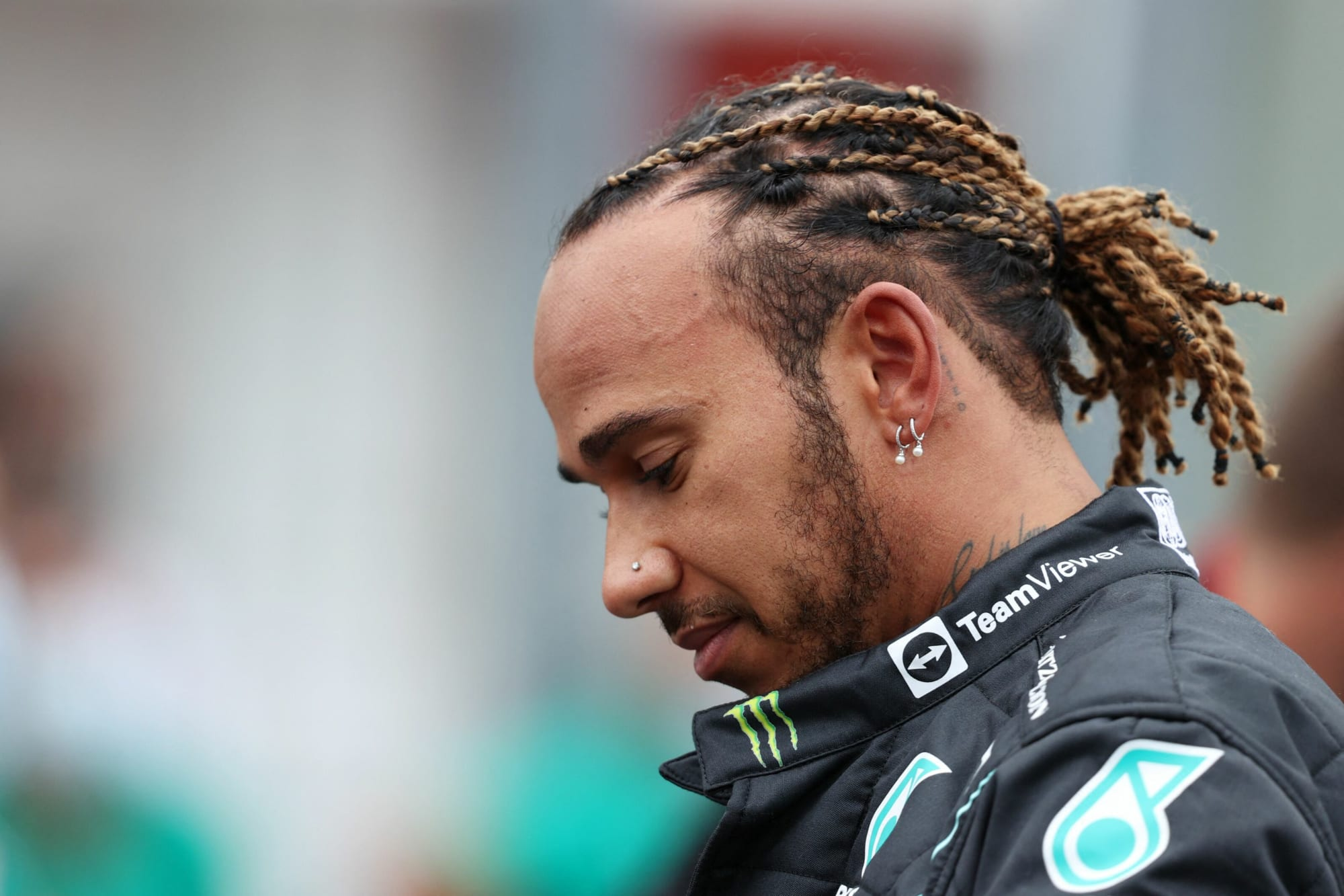 Formula 1 fans show how they really feel about Lewis Hamilton - Beyond the Flag