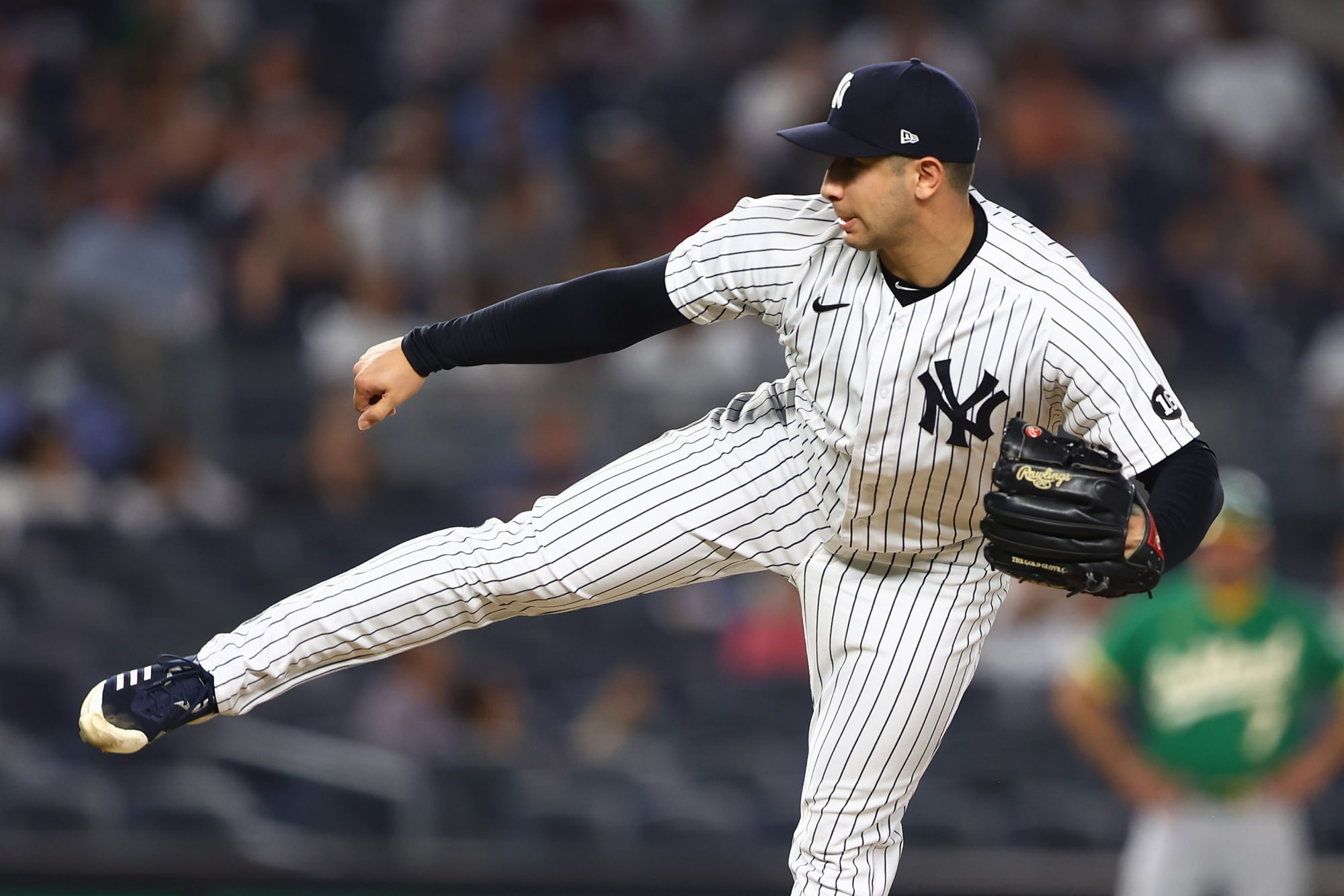 Reds acquire 2 relievers in trade with Yankees to boost bullpen