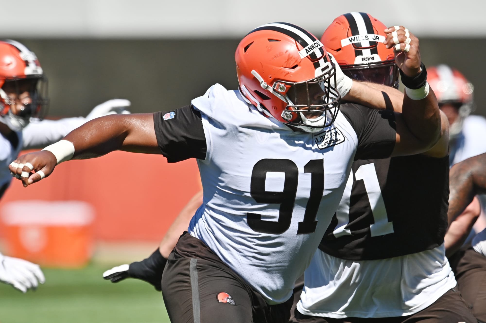 Buffalo Bills reportedly working out defensive tackle Eli Ankou