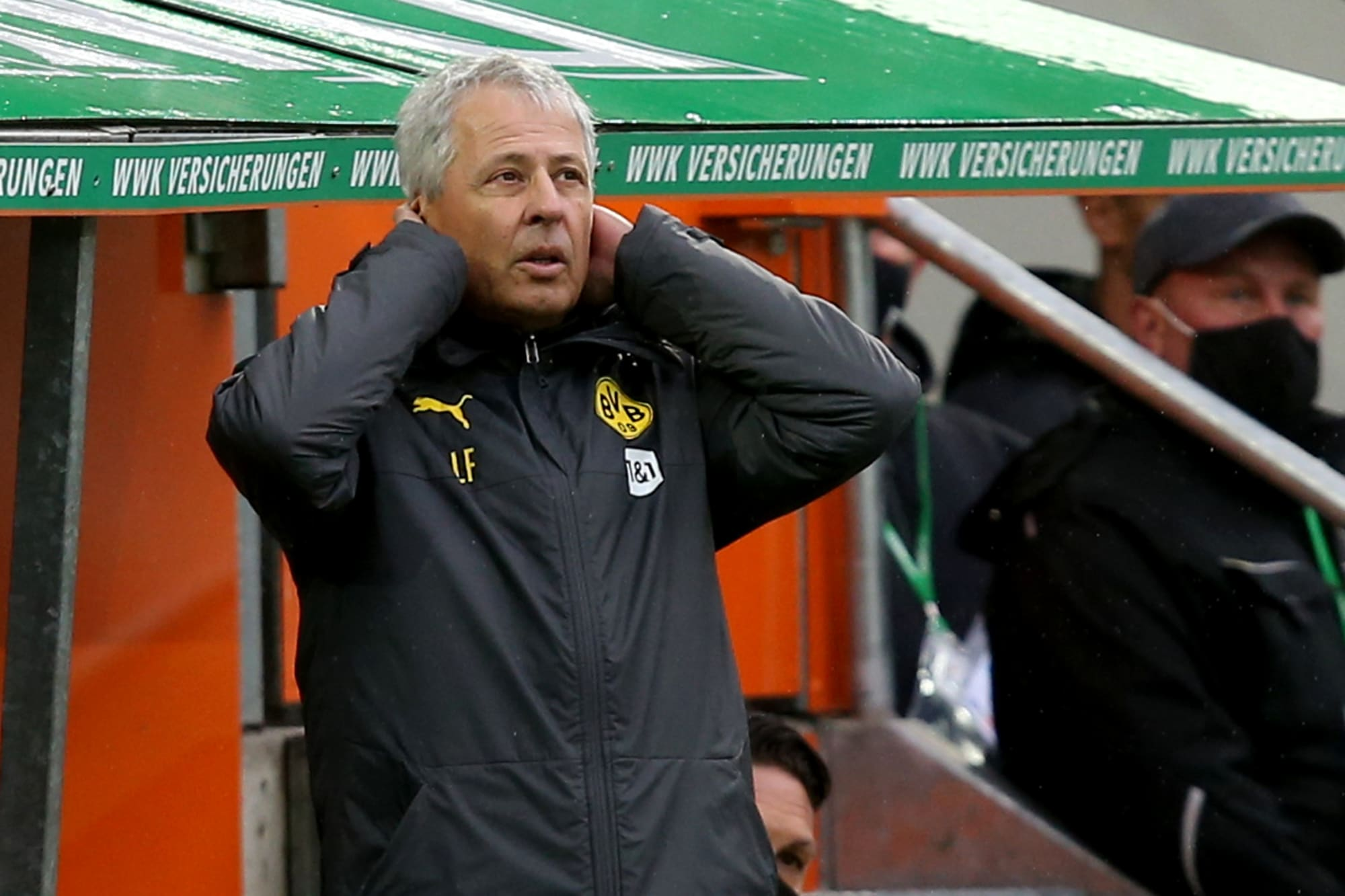 Lucien Favre: Difficult to accept Augsburg defeat for Borussia Dortmund