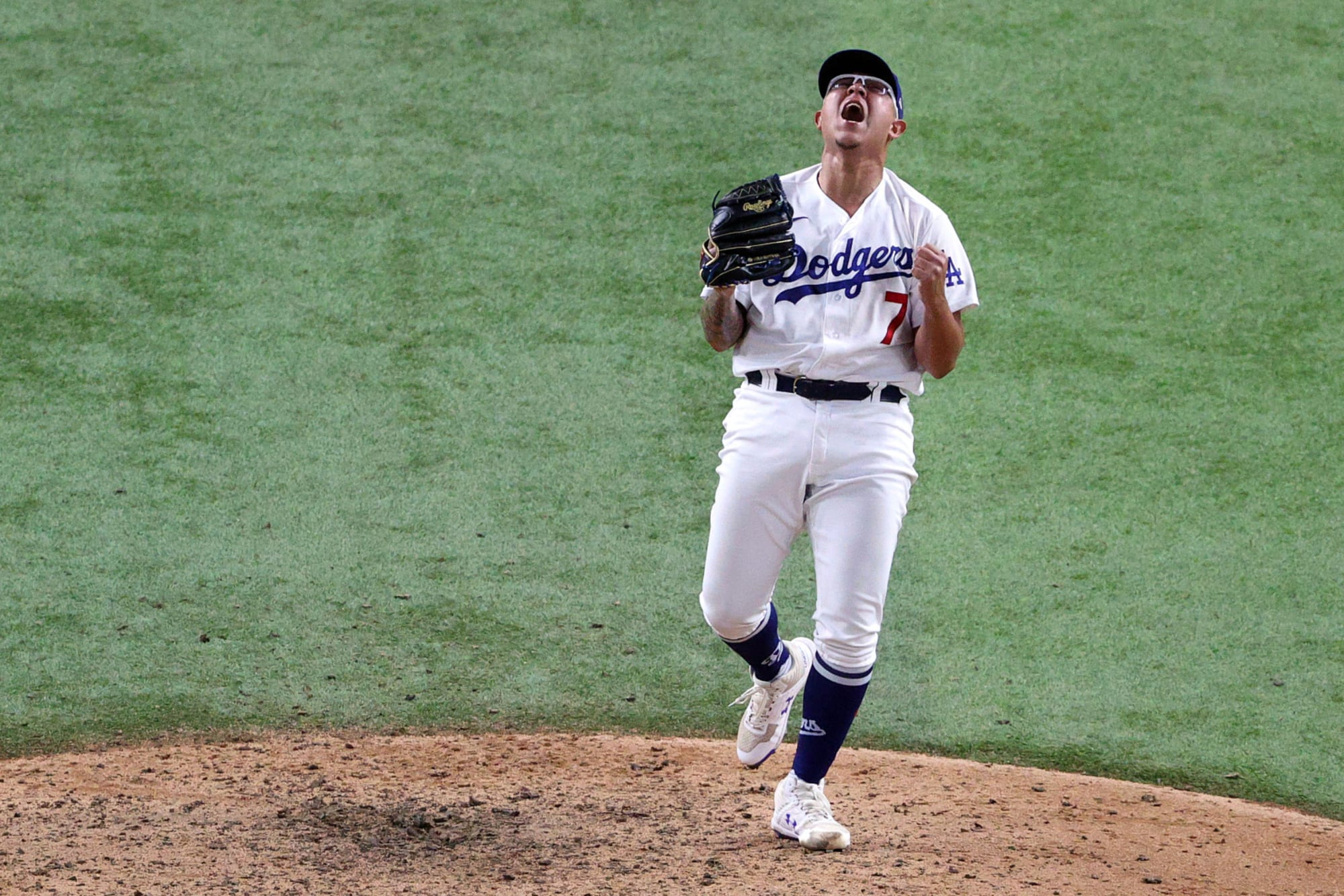 Los Angeles Dodgers: Julio Urias' potential fully shown this postseason