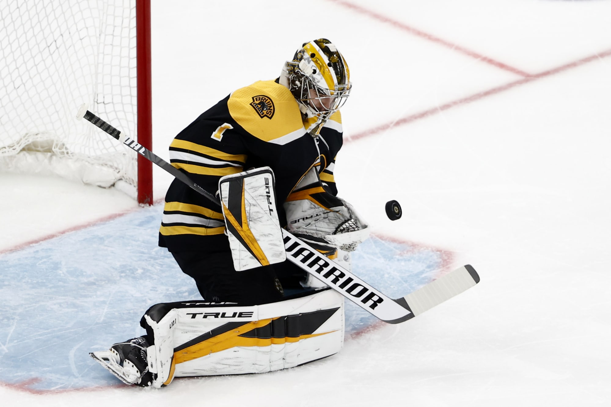 Bruins unlikely to go with Swayman-Vladar tandem for 2021-22