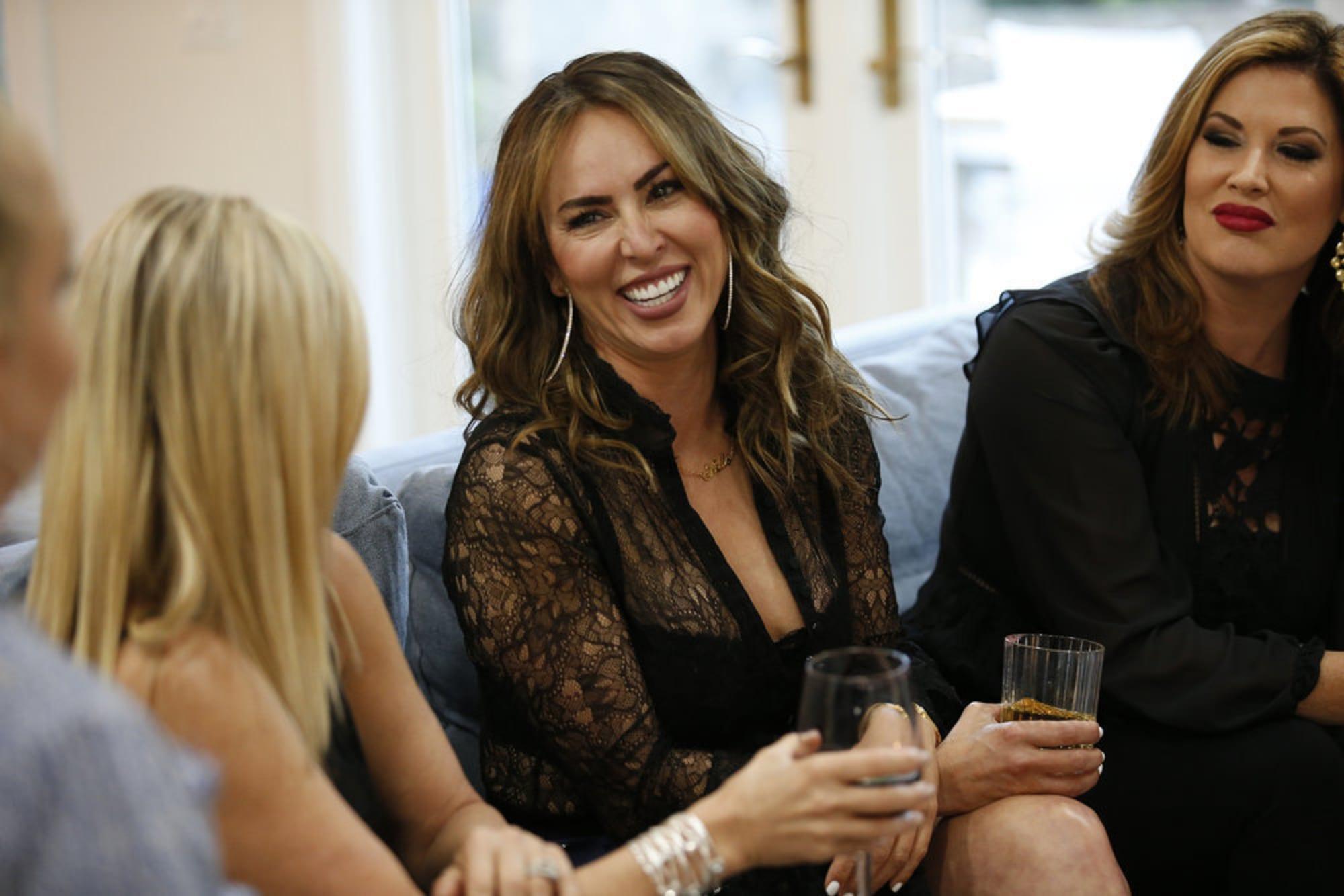 Rhoc Kelly Dodd Is Sick Following Her Wedding In California Flipboard