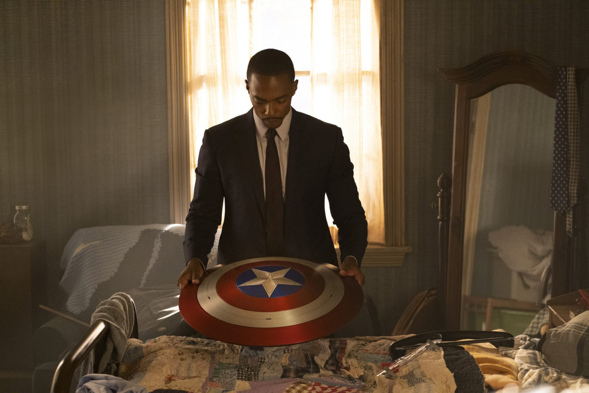 Falcon and the Winter Solider: Anthony Mackie becomes Captain America in stunning new image