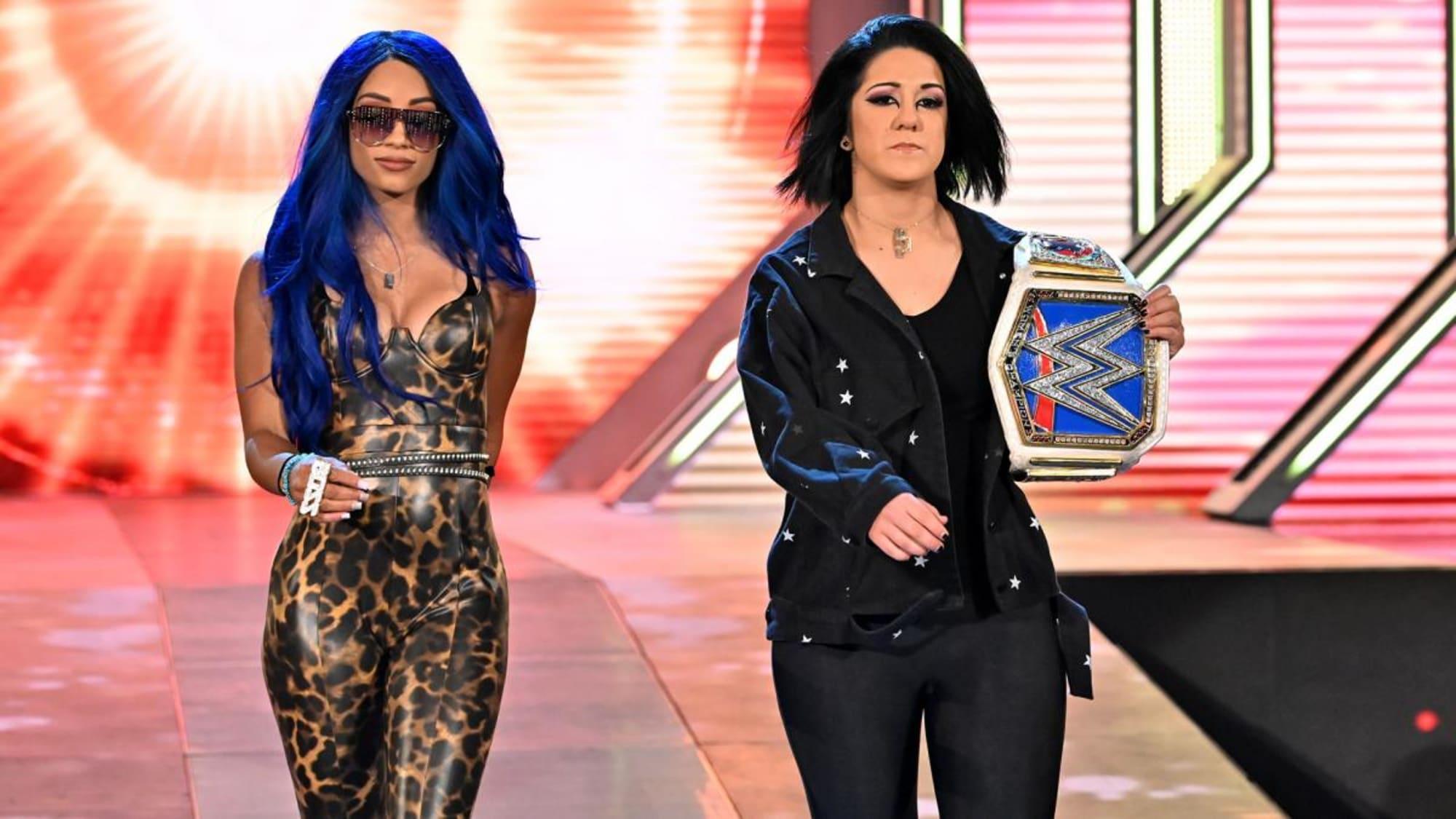 Stephanie McMahon faz grande anúncio sobre os títulos femininos da WWE