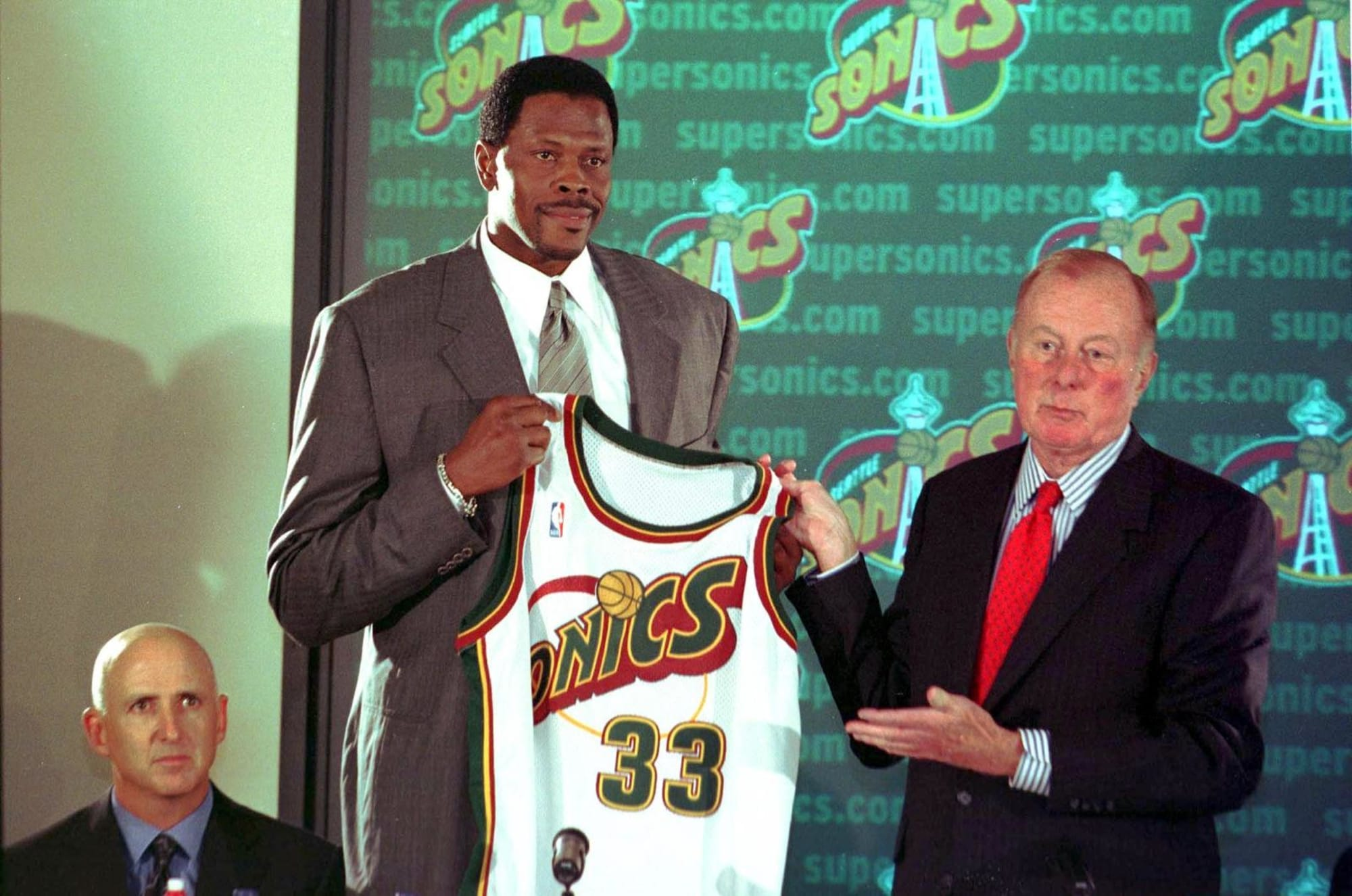 New York Knicks: Reliving the era-ending Patrick Ewing trade
