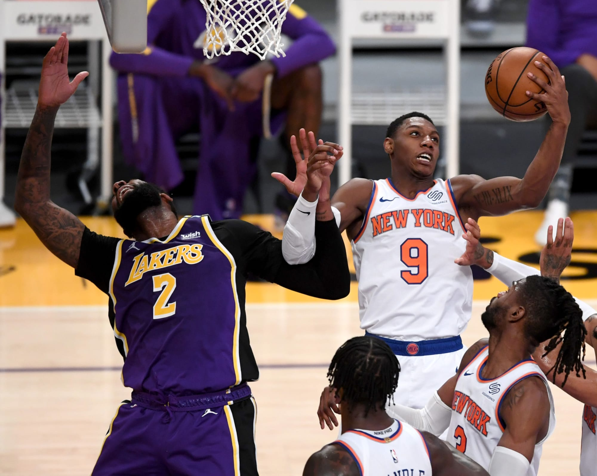 NY Knicks: Critical flaw on offense exposed by Lakers