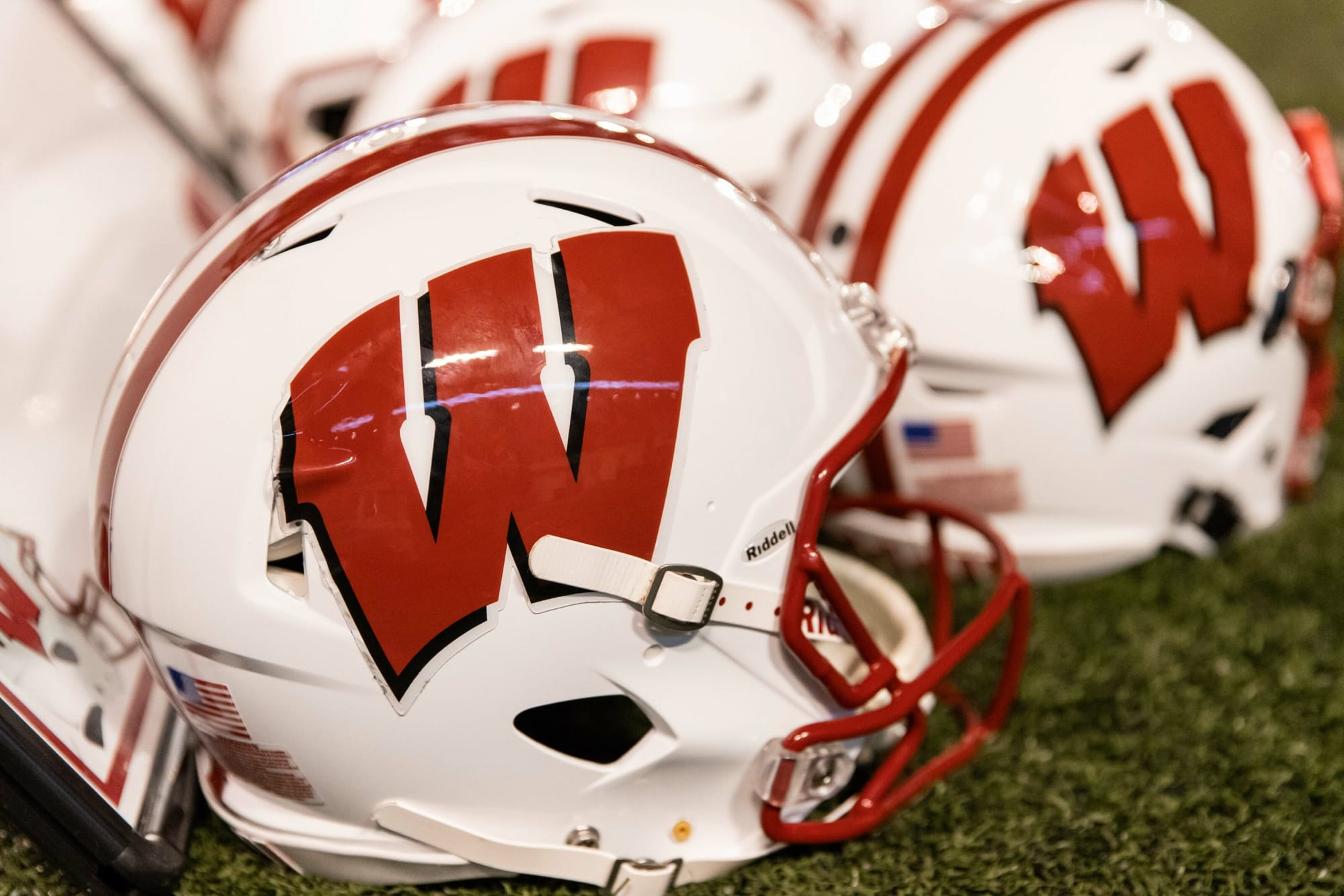 Wisconsin Football Adds 3-Star TE JT Seagreaves to 2022 Class
