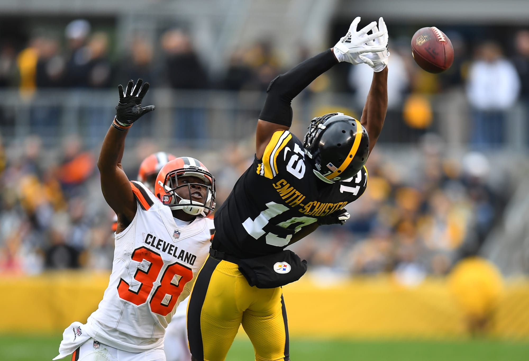 JuJu Smith-Schuster 104 MPH full speed before Cleveland Browns game