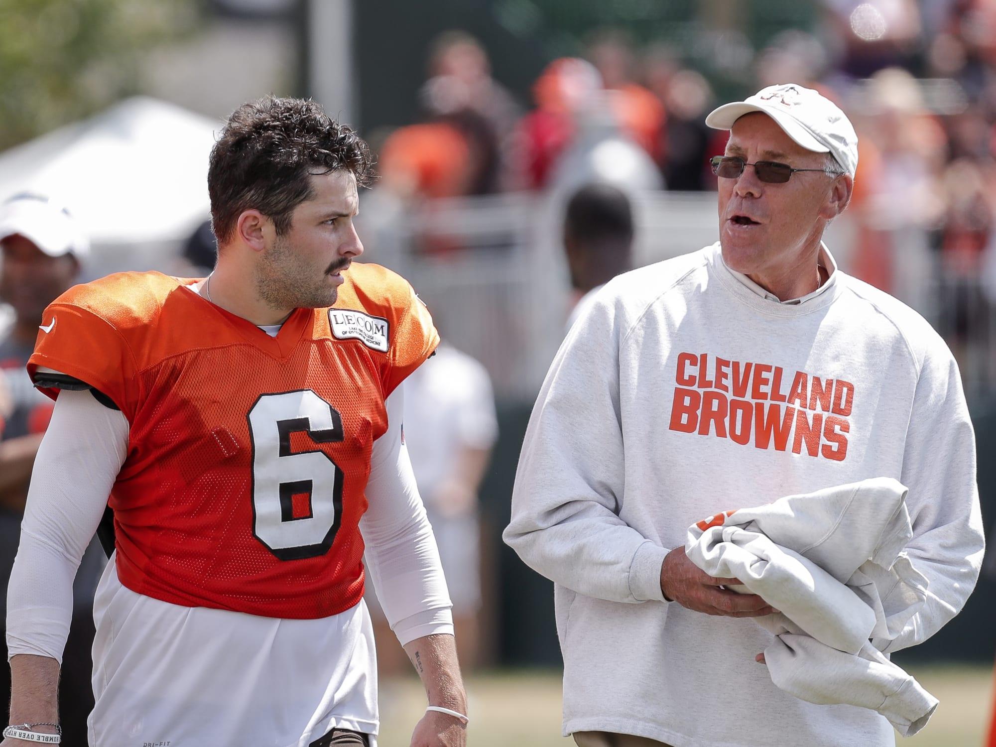 Browns should follow John Dorsey's quarterback philosophy