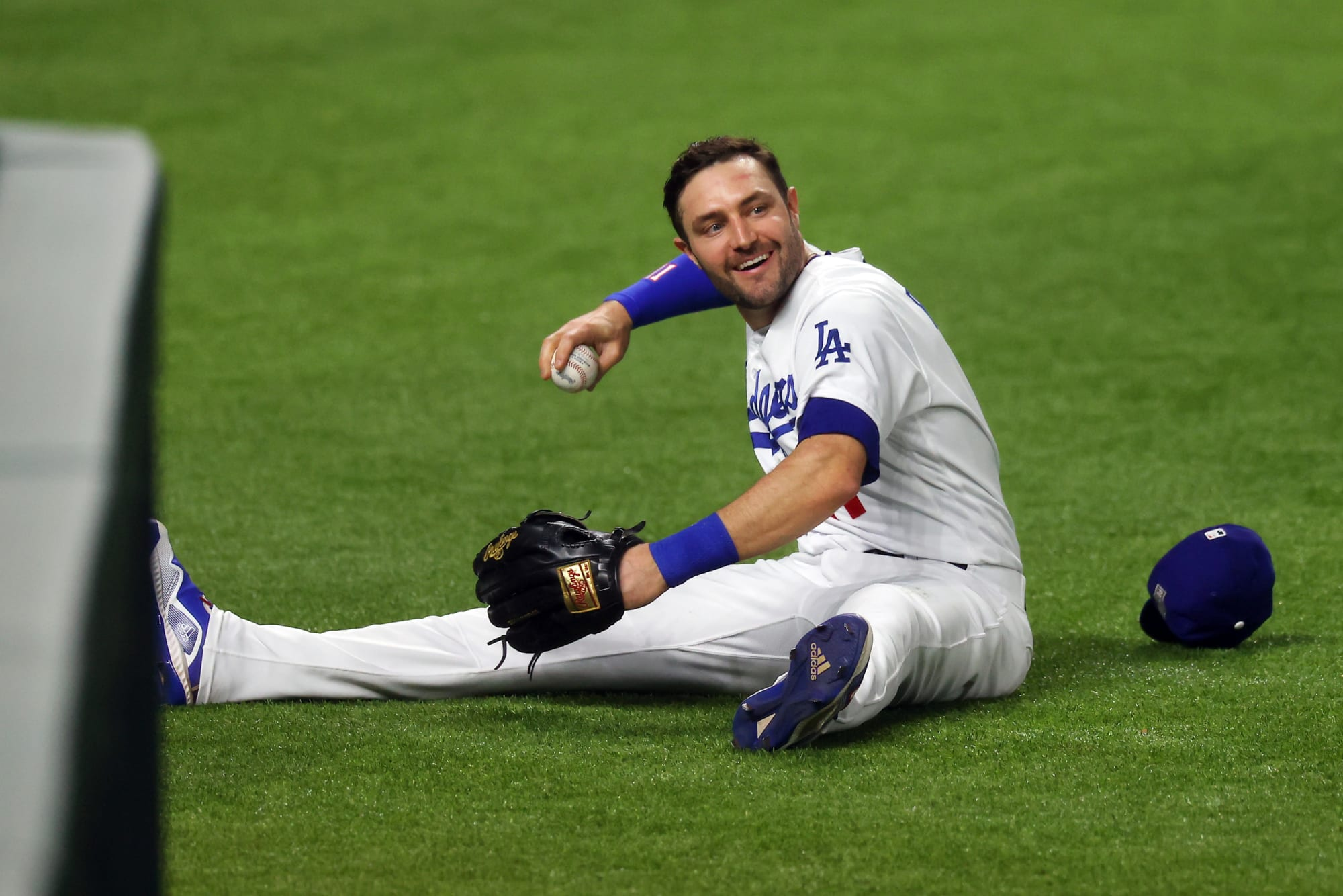 Dodgers go back to back in seventh to tie up and punch back at Padres