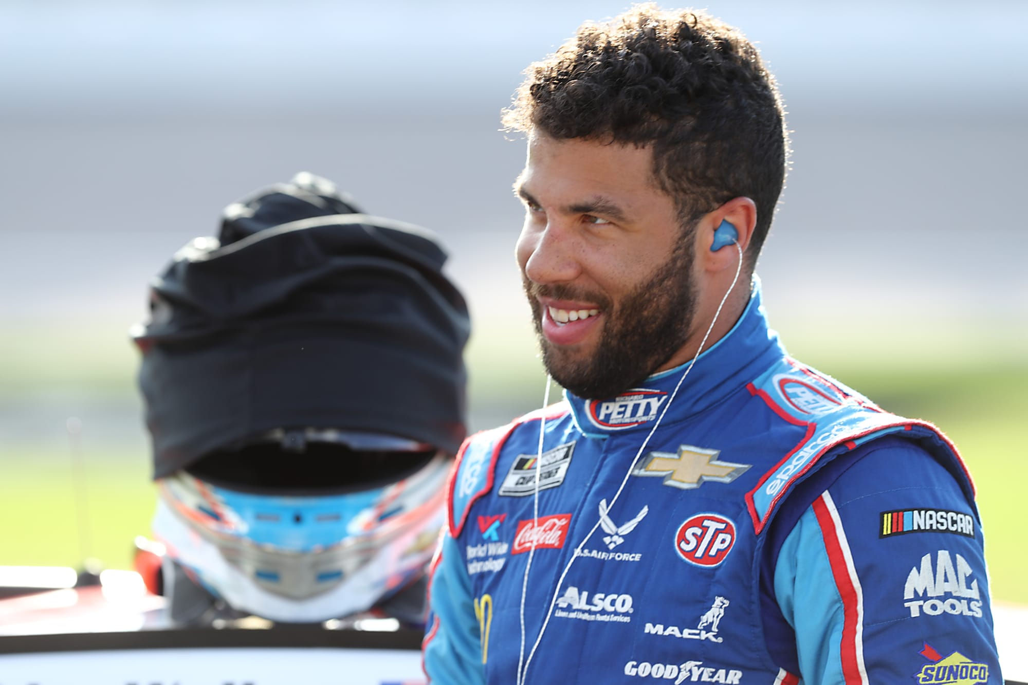 Bubba Wallace latest NASCAR driver to adopt new puppy