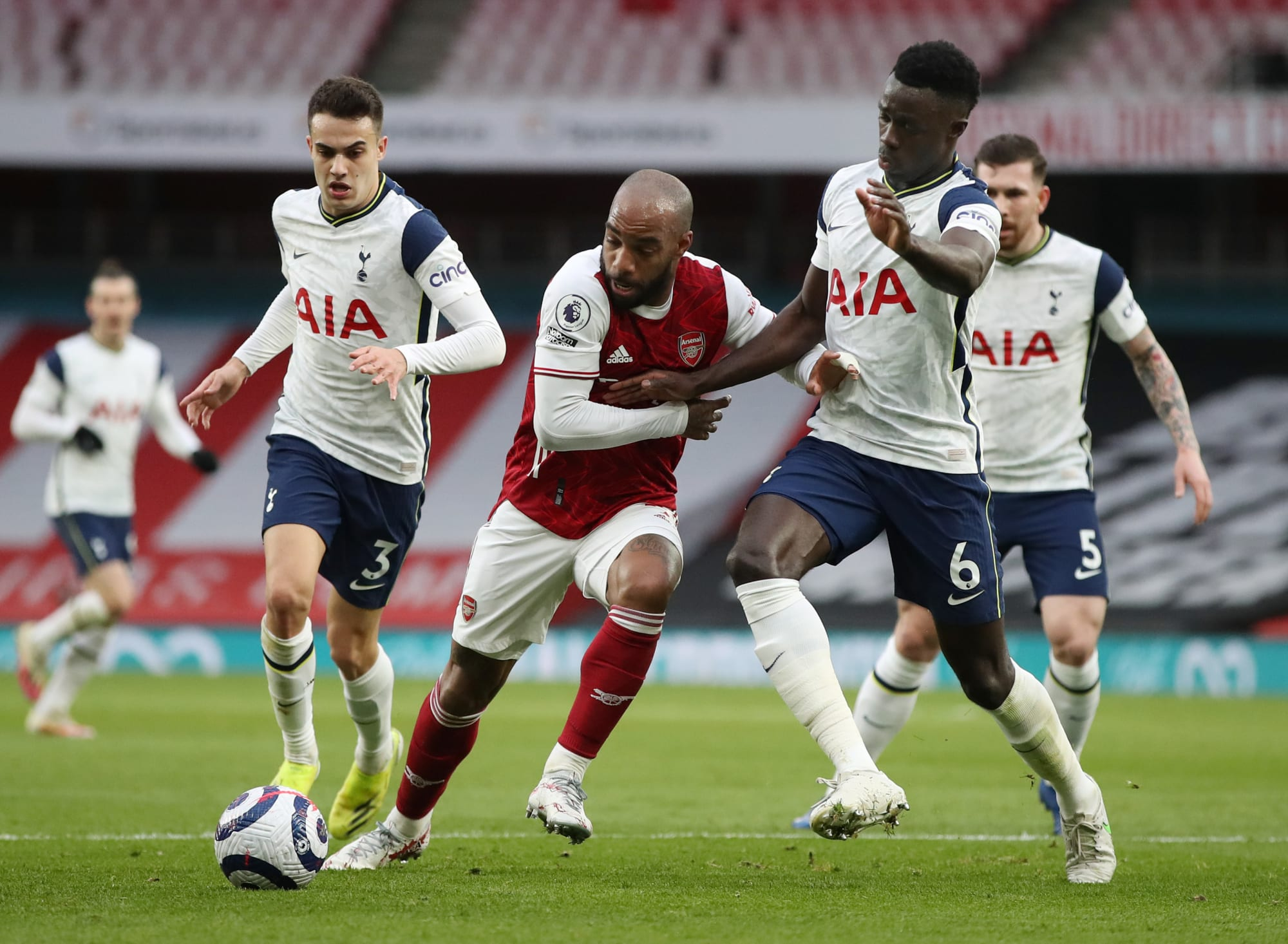 Barcelona target Tottenham defender after dispute with Jose Mourinho