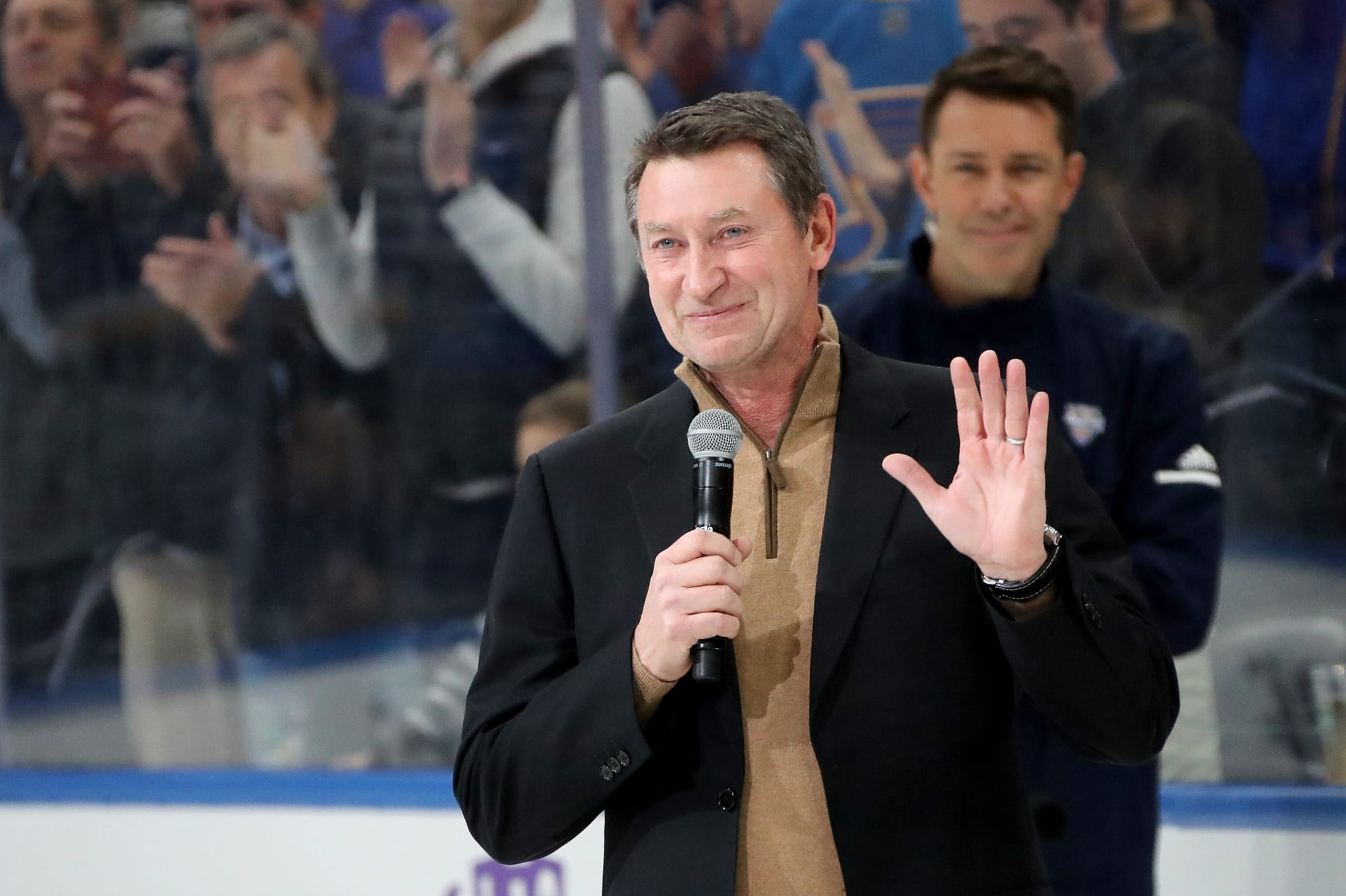 Wayne Gretzky doesn't need 'advice' from former Islanders GM