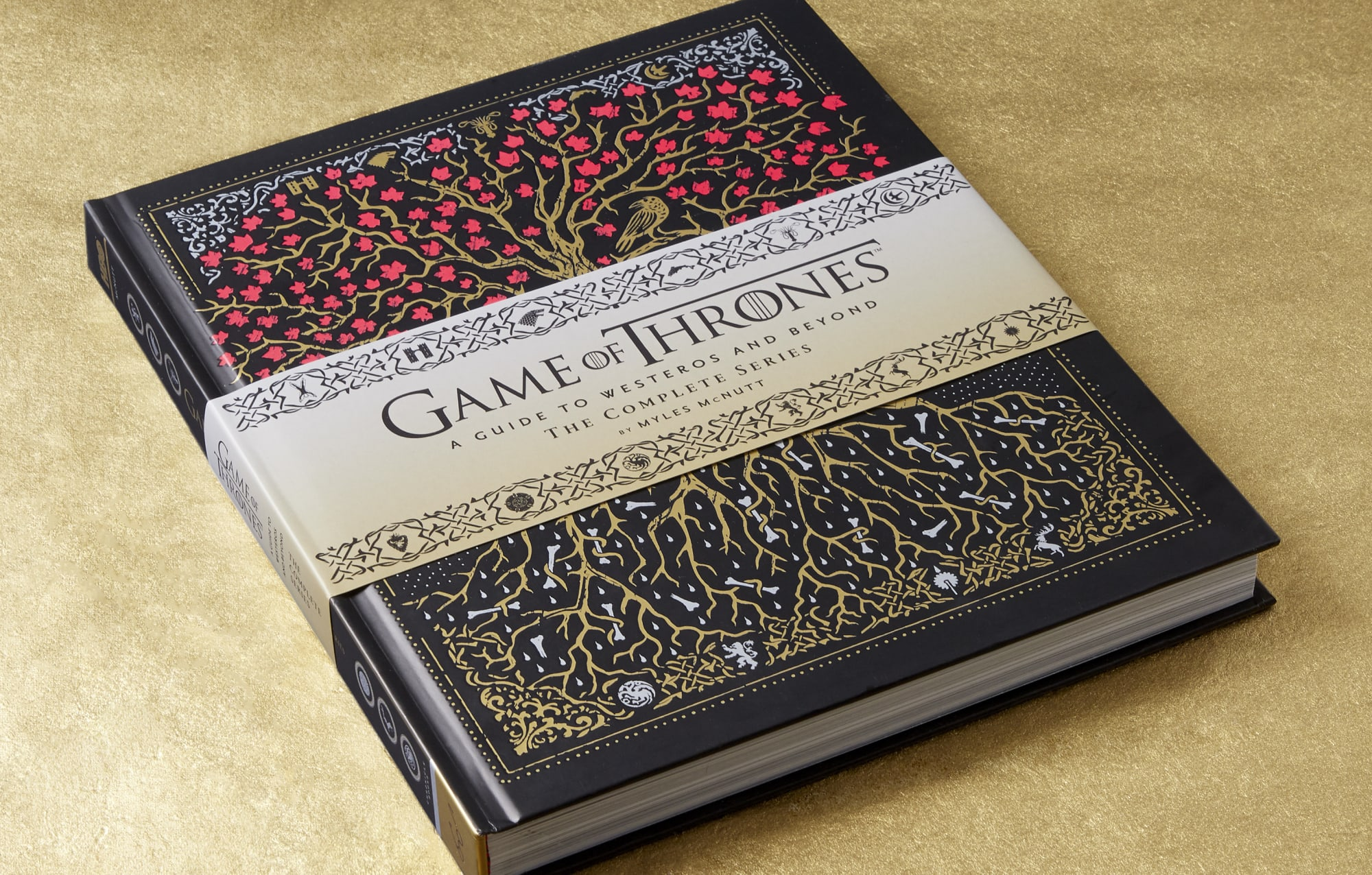 """""""Not just large-scale battles but Games of Thrones also offers books like A Feast of Ice and Fire, providing some fine dines that go on every occasion."""