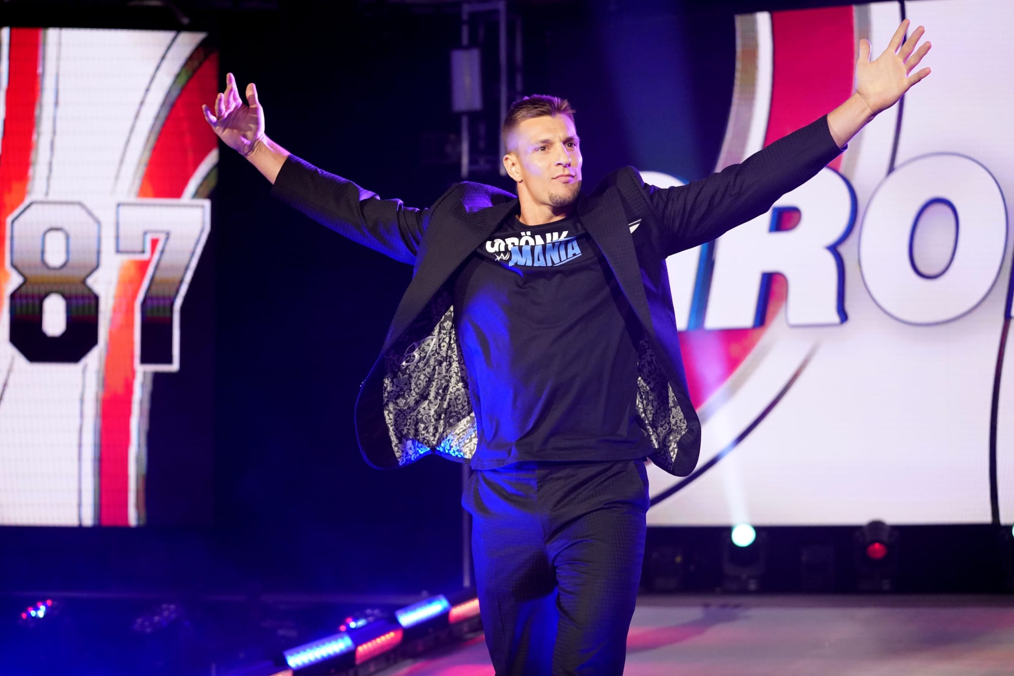 Rob Gronkowski loses the WWE 24/7 championship to R-Truth on Raw