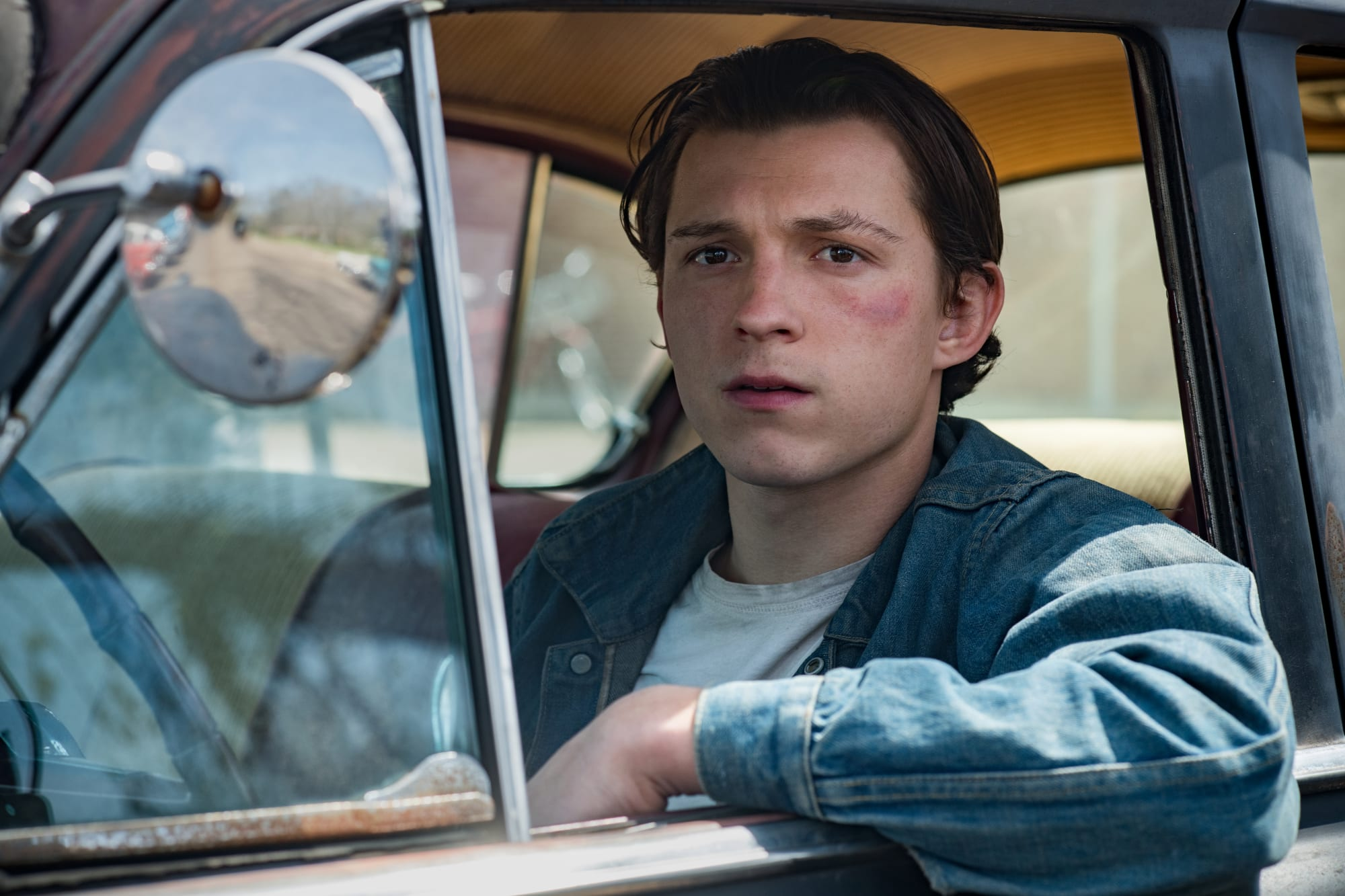 The Devil All The Time trailer features Tom Holland and country accents galore
