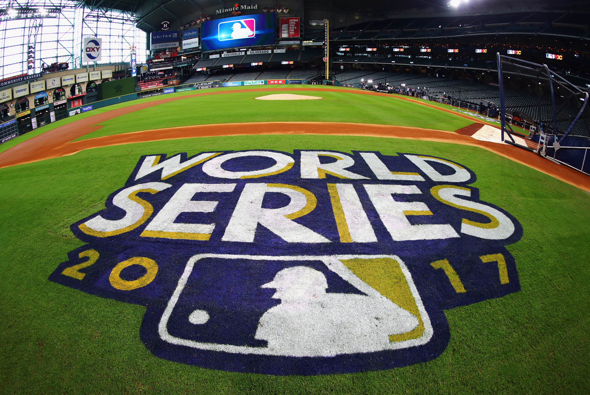 Guy who bet correctly on first 6 games of world series football betting lines week 4