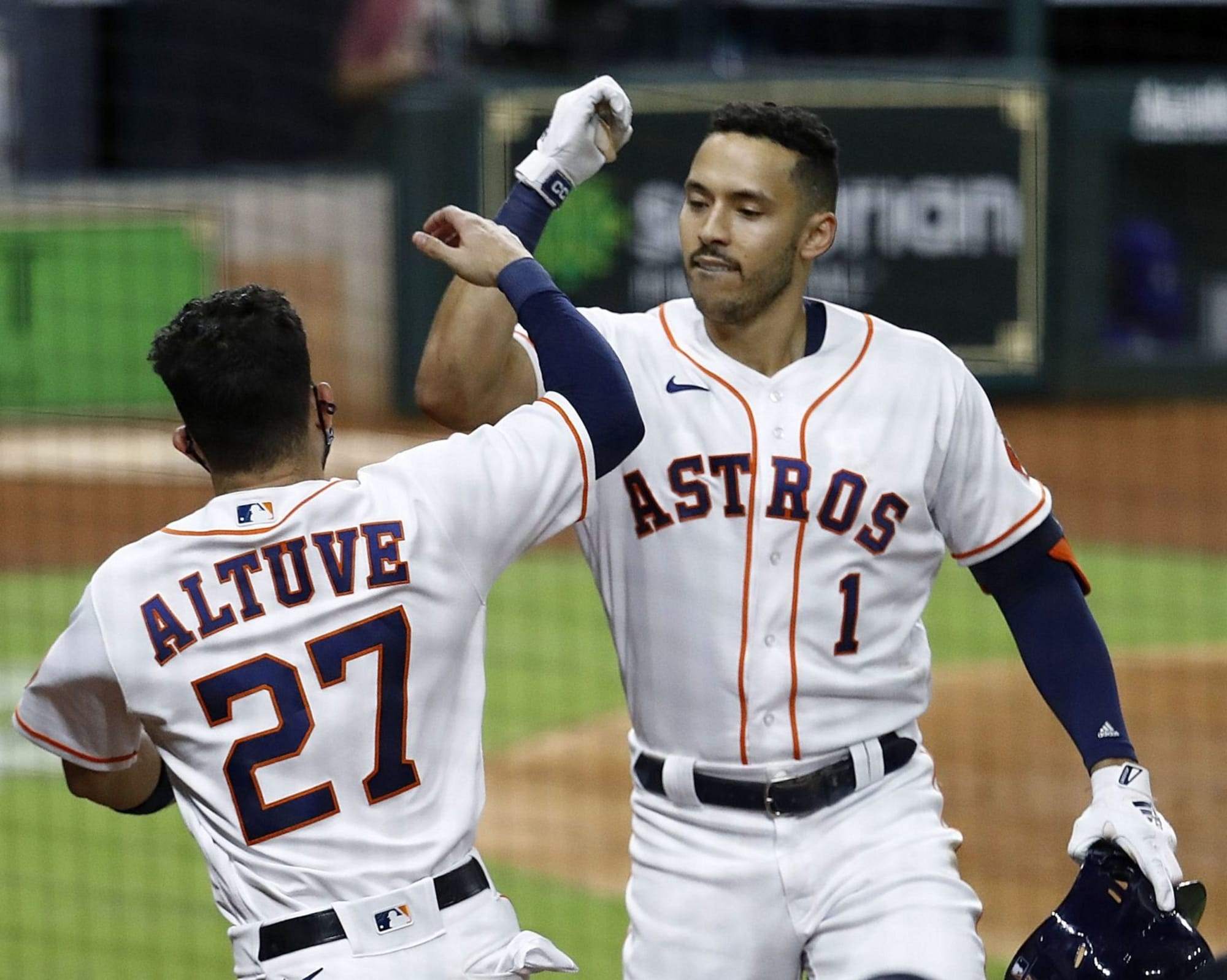 Astros: Carlos Correa and Jose Altuve provide aid to Houston during winter storm