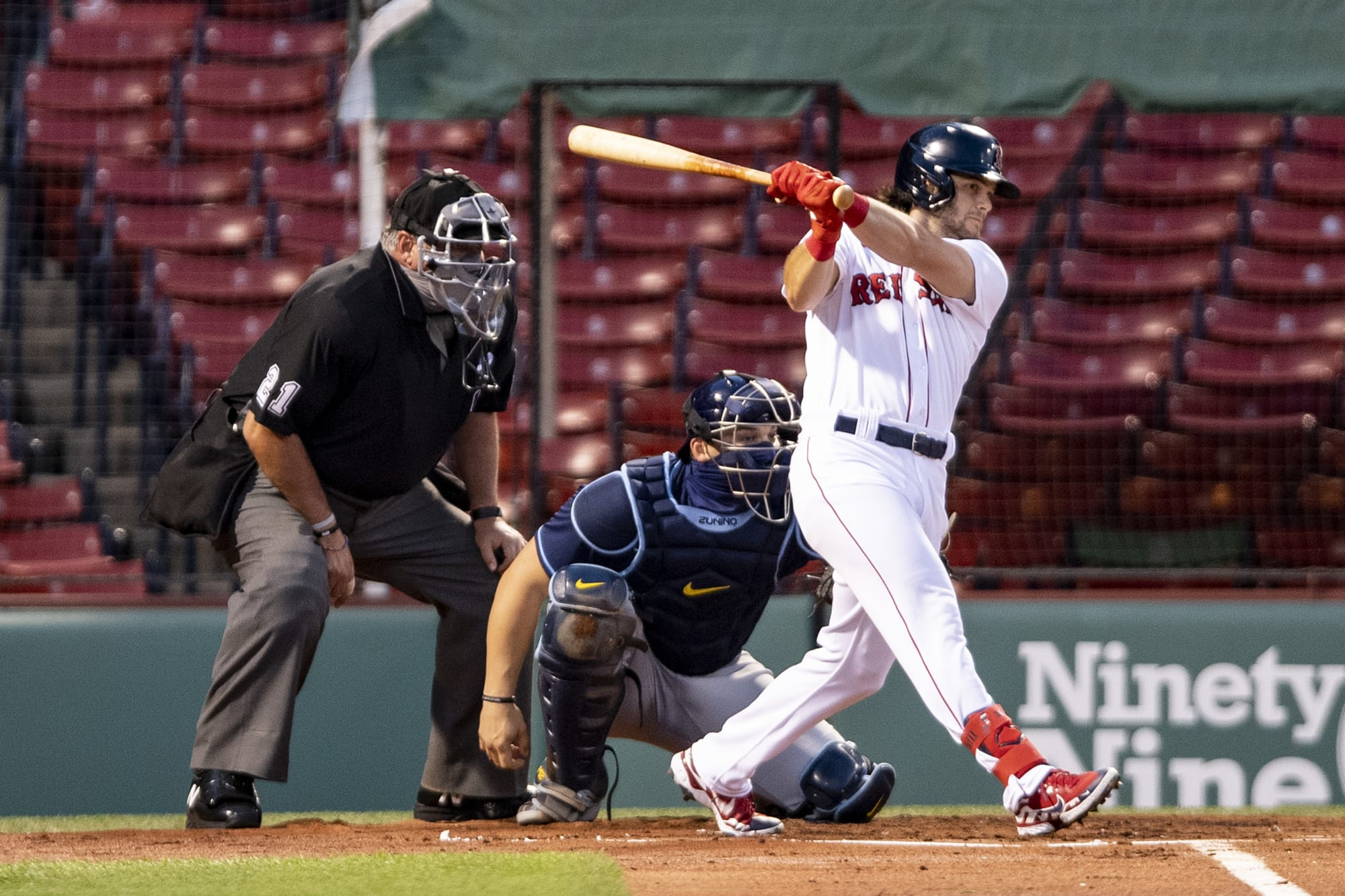 Astros among 3 teams interested in trading for Andrew Benintendi