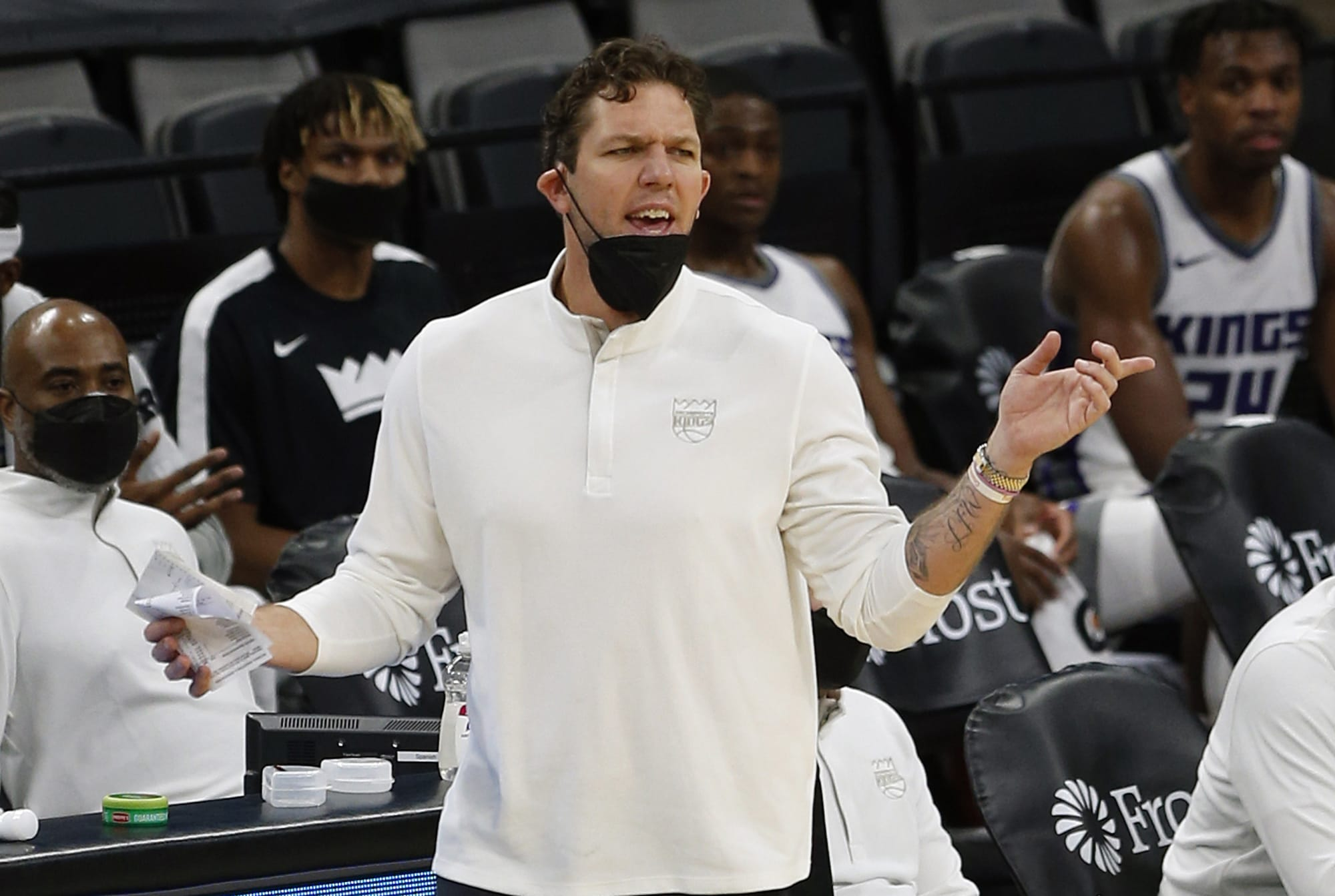 Warriors clearly got the best of Luke Walton, who is out of the playoffs again