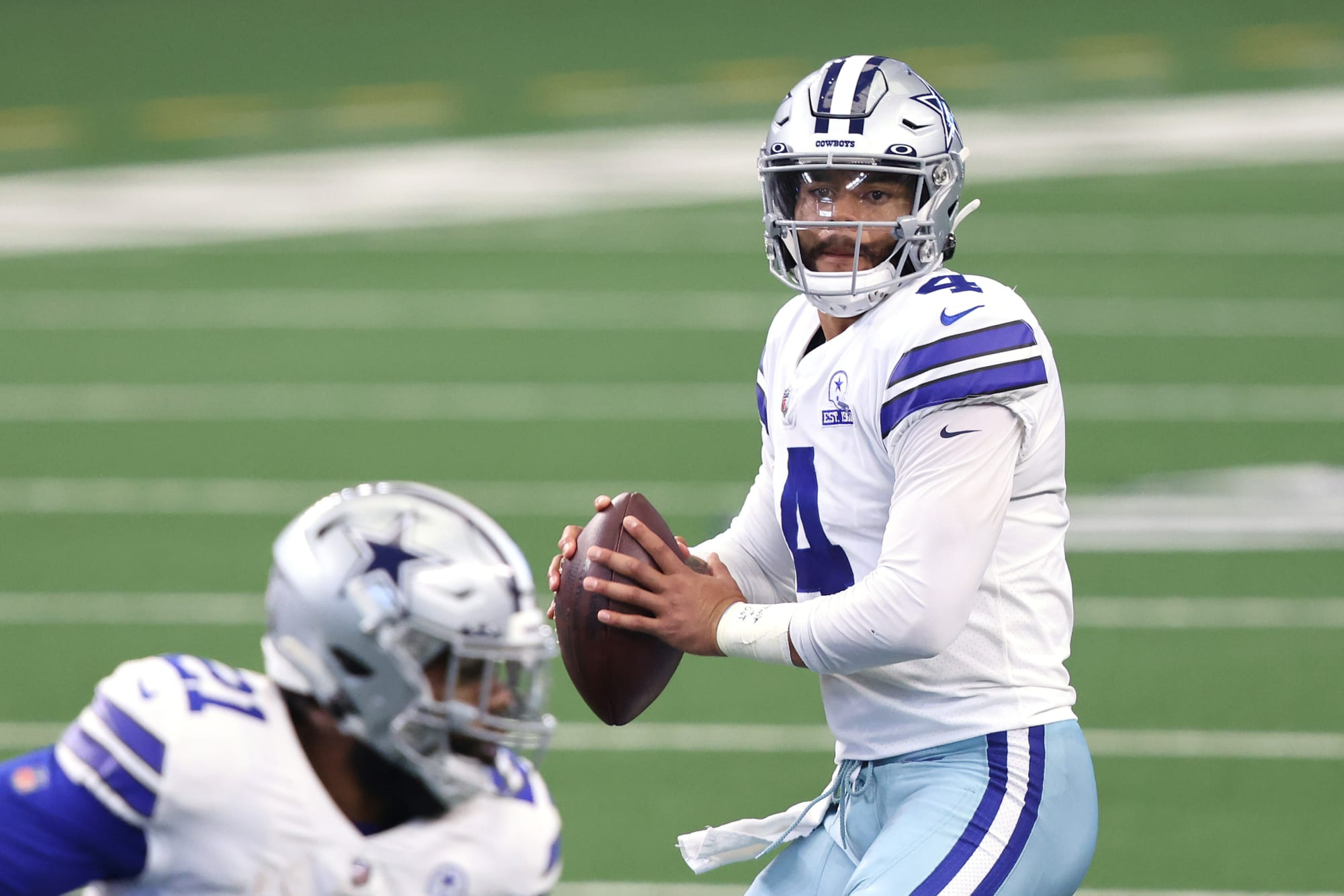 Dak Prescott honors late mother with cancer research fund