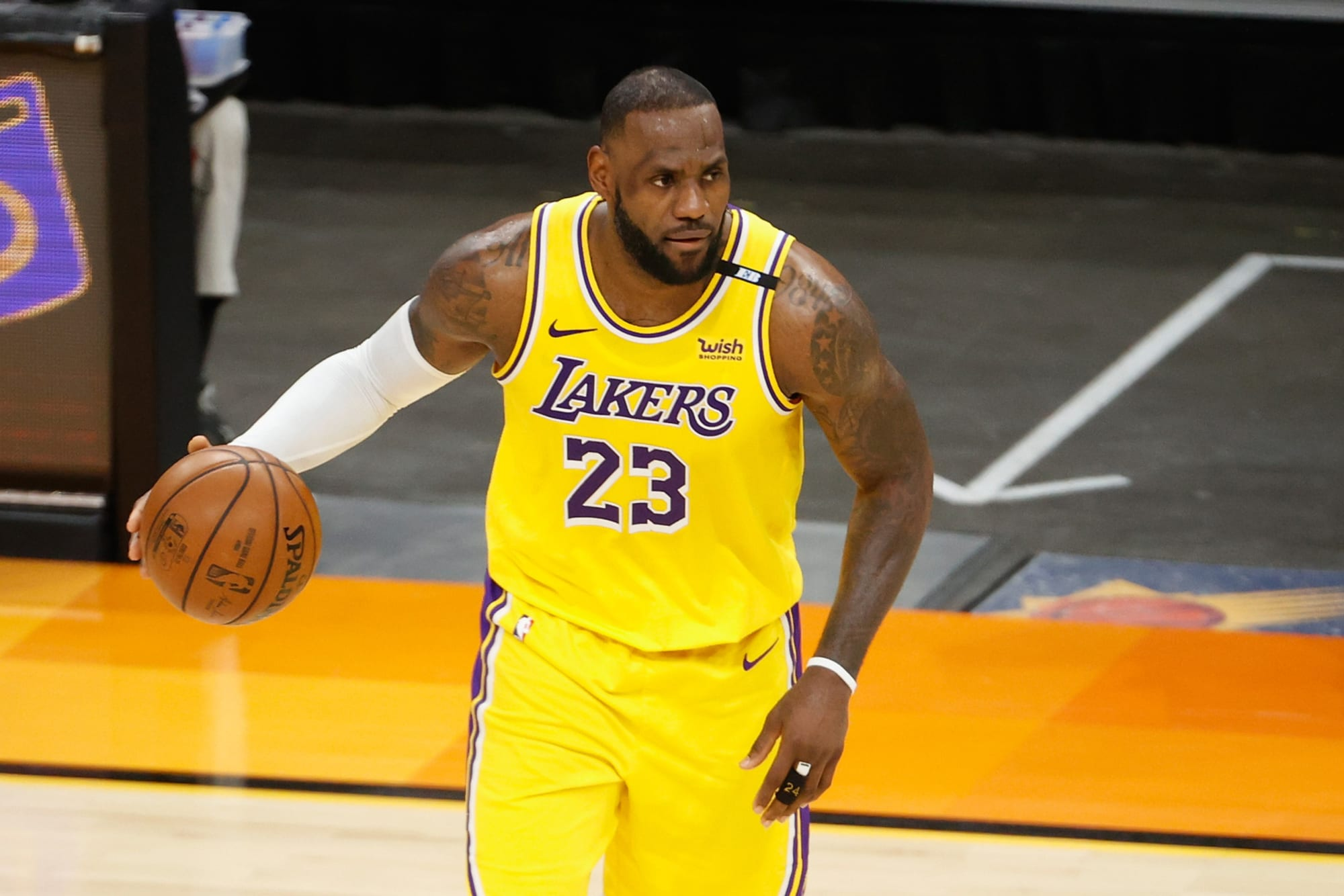 LeBron James reacts to Lakers signing Carmelo Anthony and other free agents